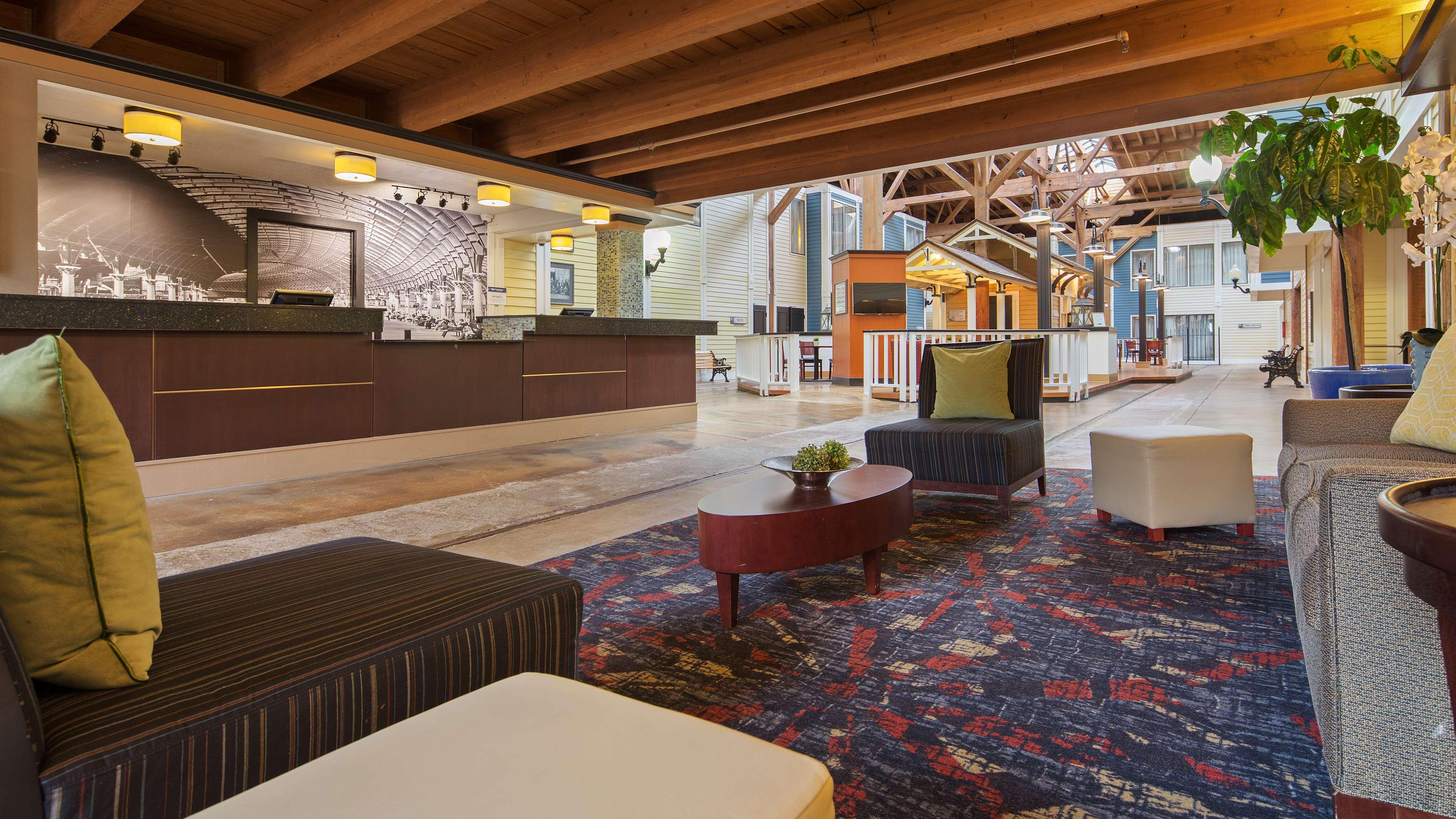 Best Western Plus Como Park Hotel image 1