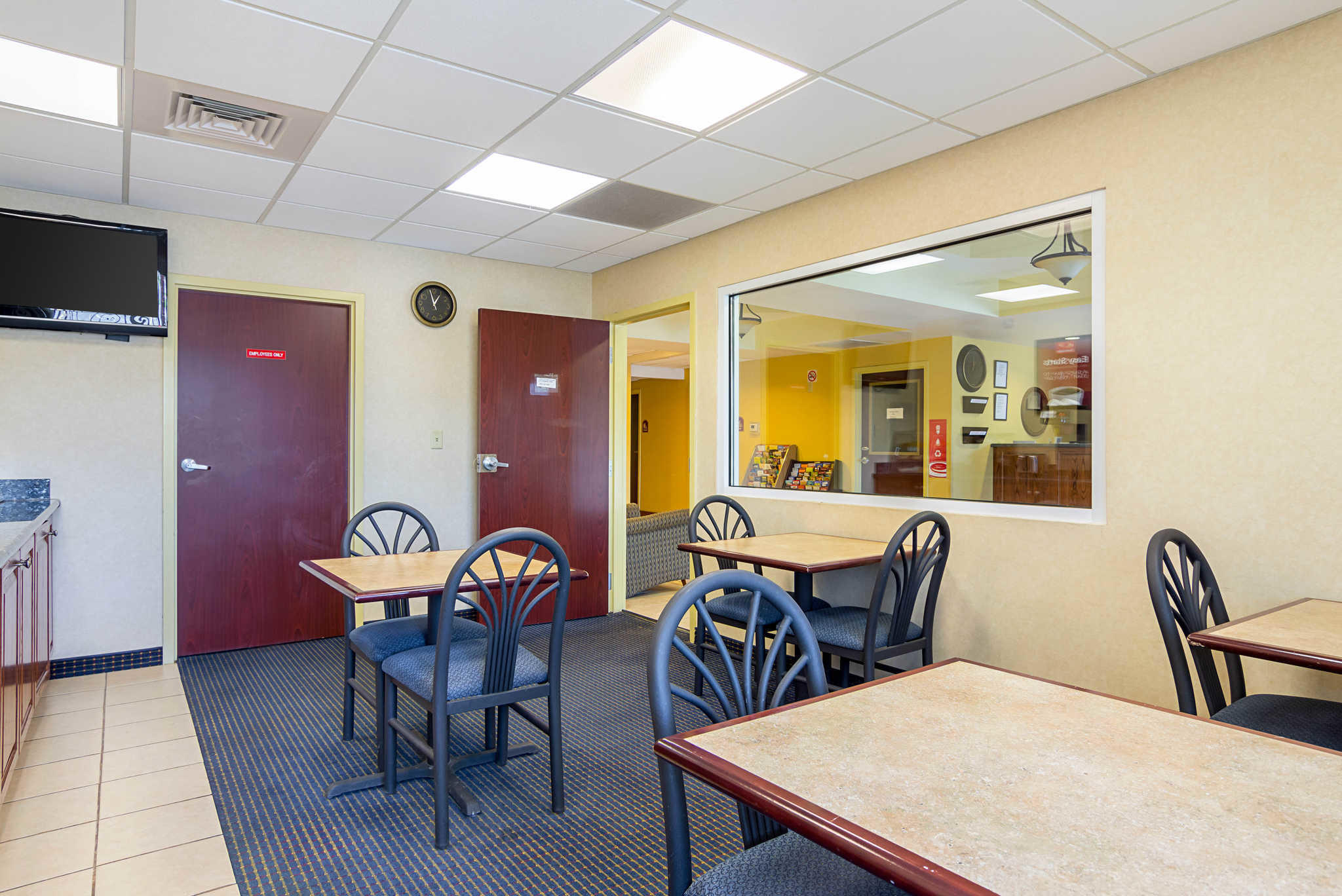 Econo Lodge Inn & Suites Pritchard Road North Little Rock image 2