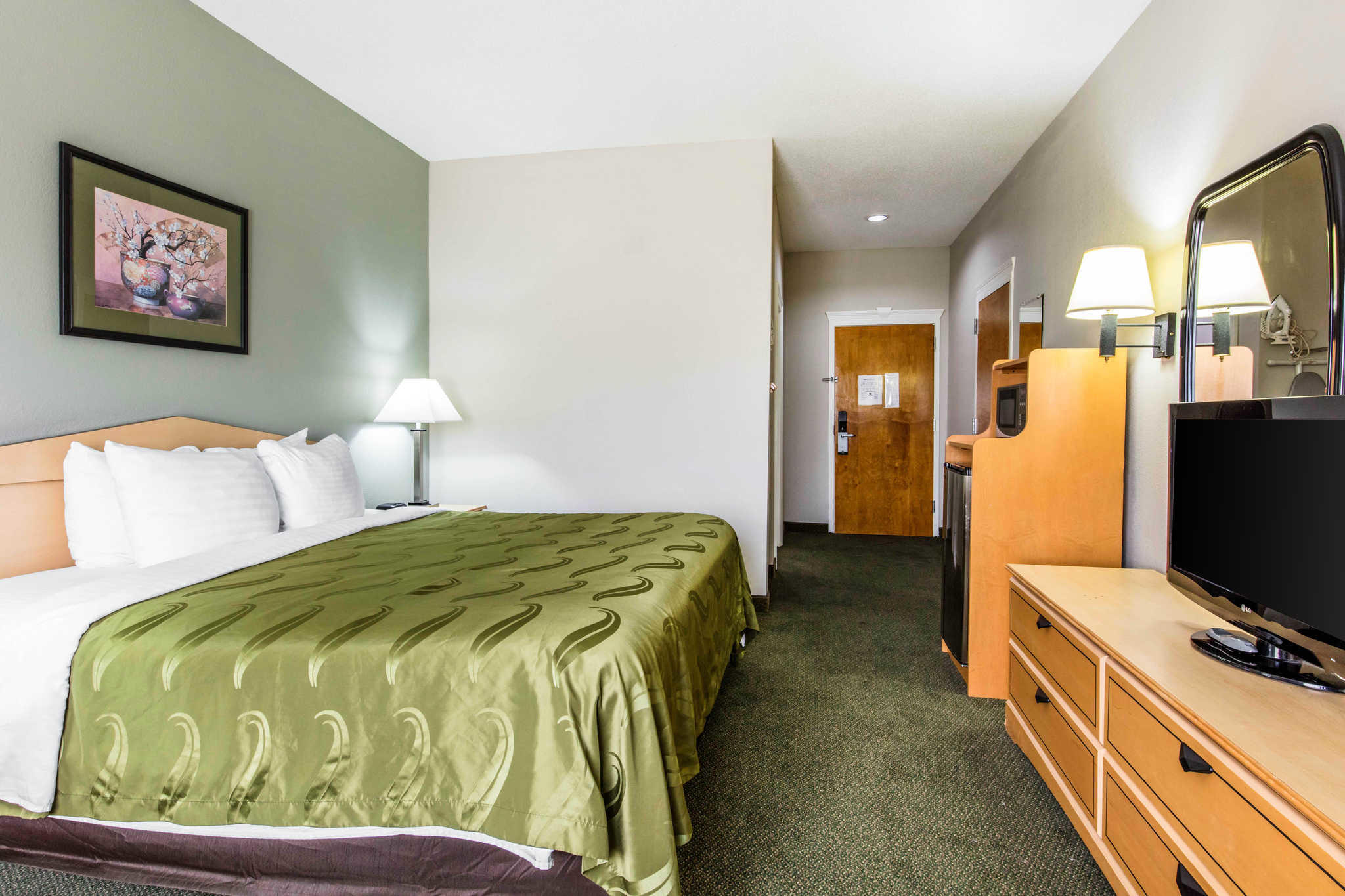 Quality Inn & Suites Jackson Int'l Airport image 9