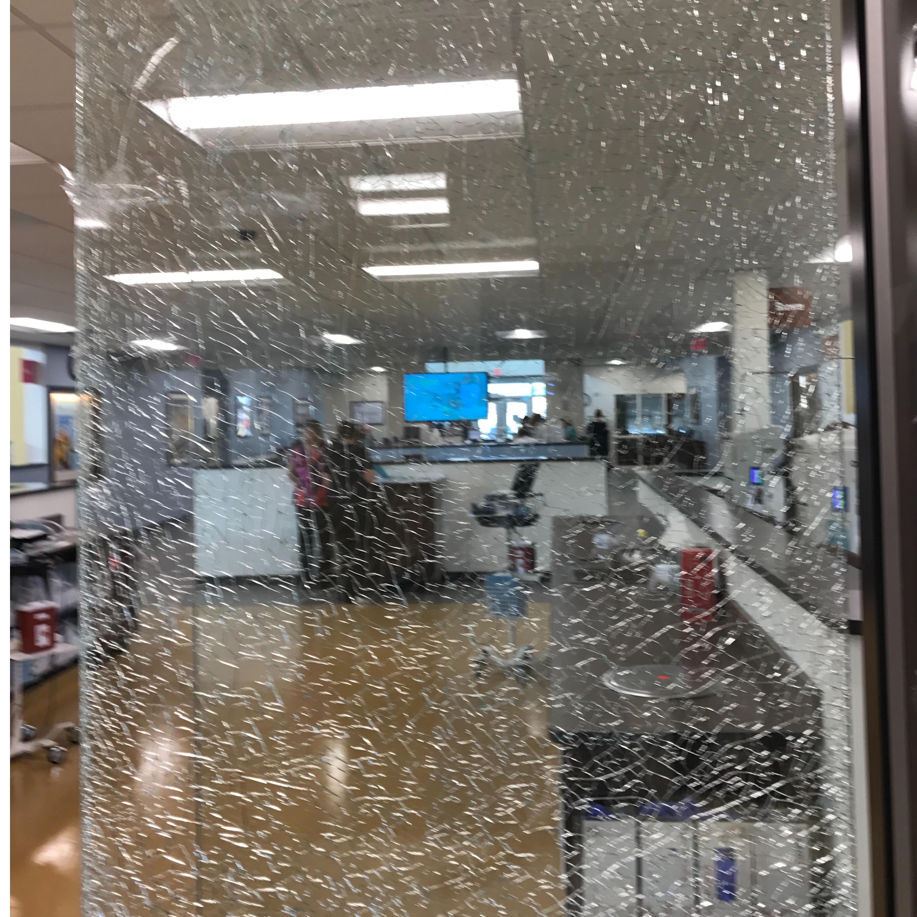 Ronnies 24 Hour Glass And Door Repair