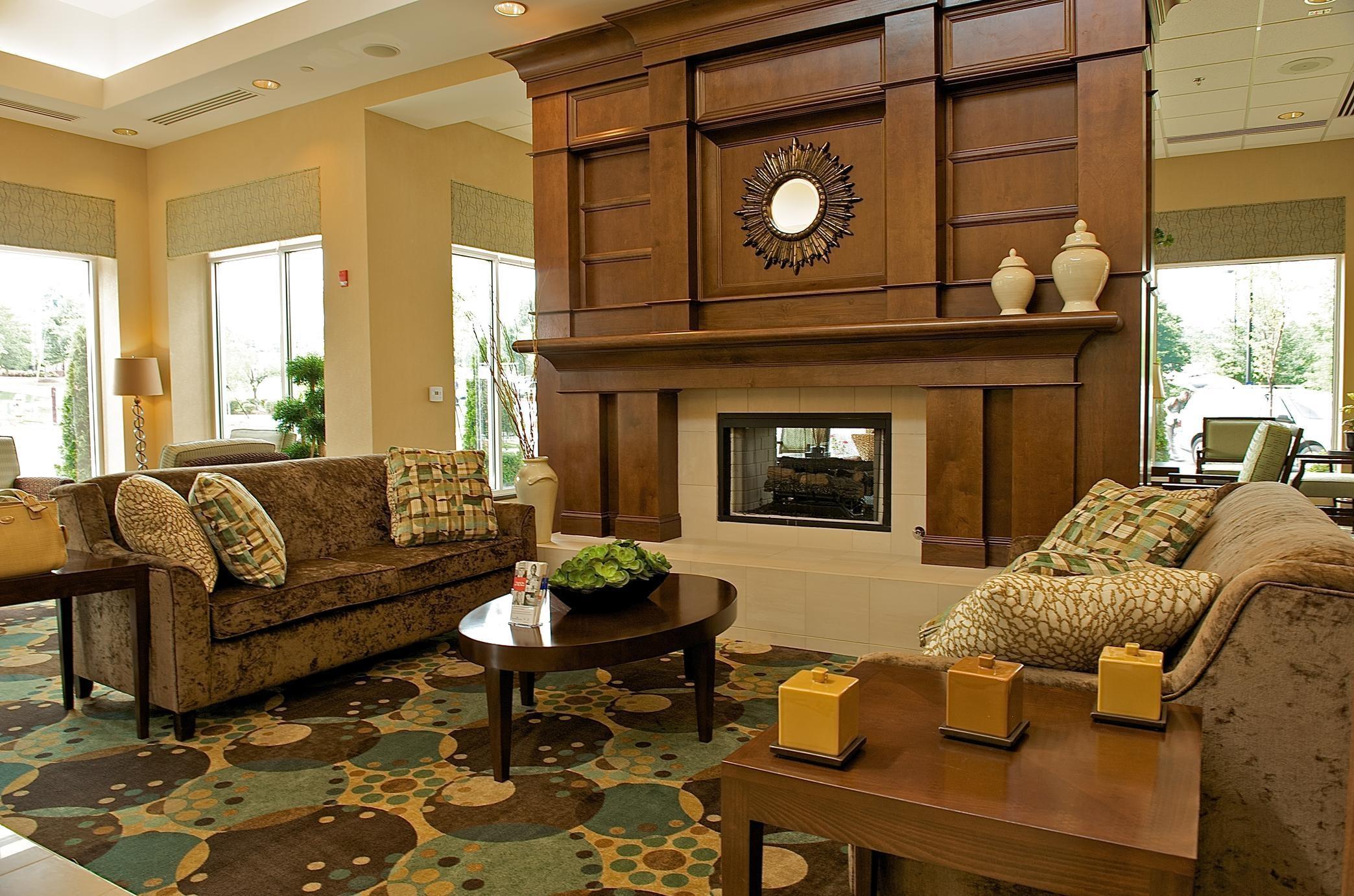 Hilton Garden Inn Gainesville image 3