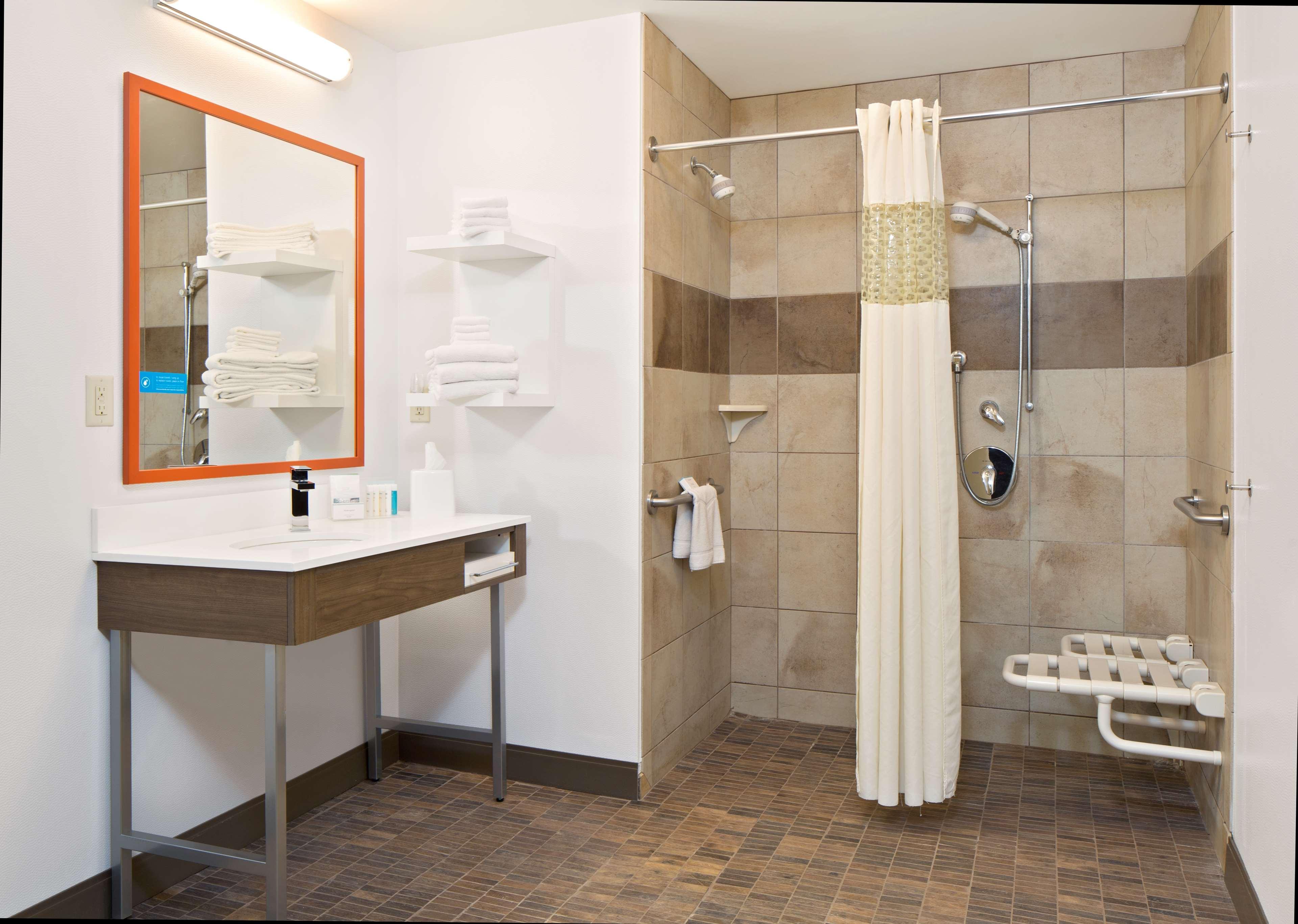 Hampton Inn & Suites Spokane Valley image 19