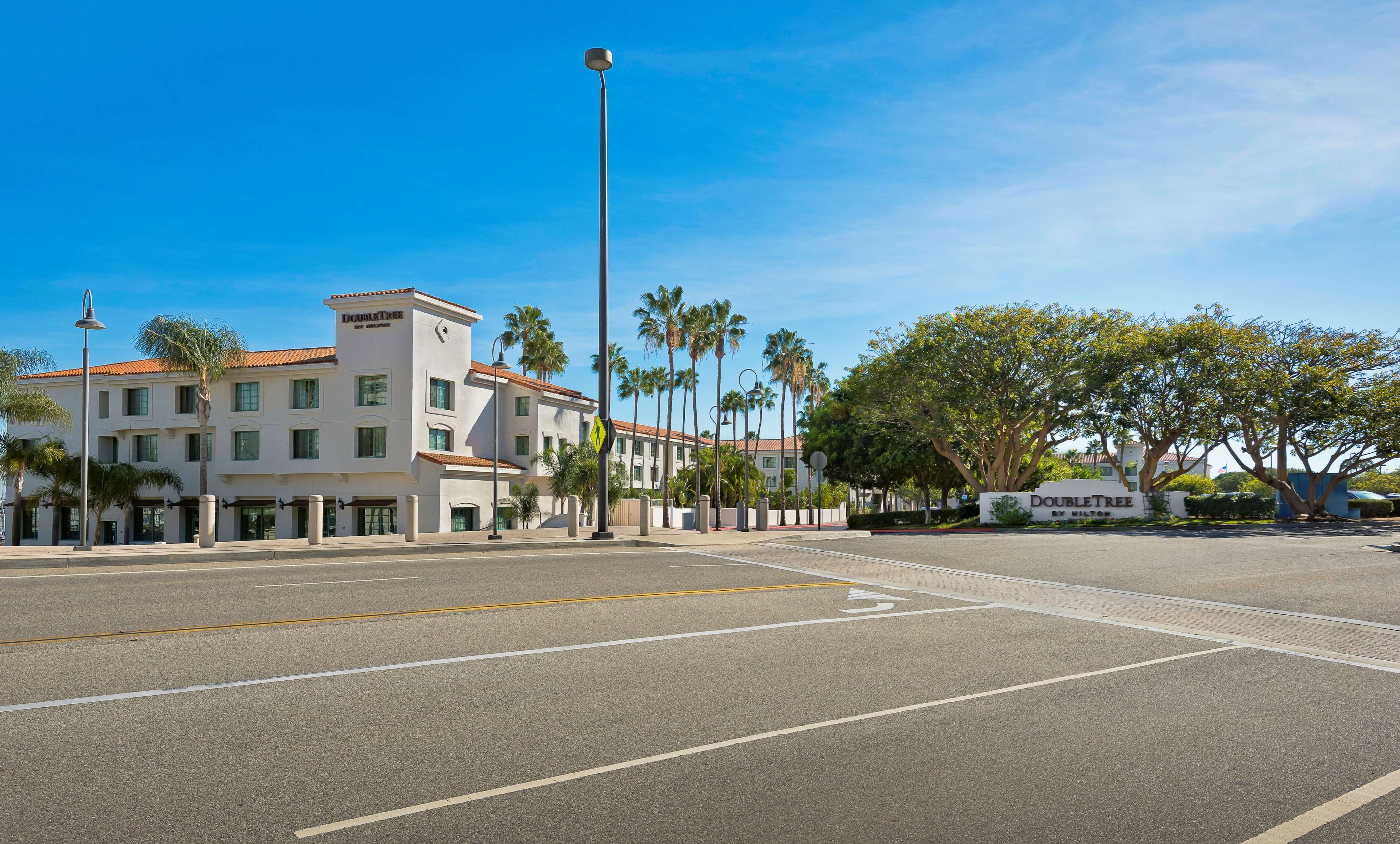 DoubleTree by Hilton Hotel San Pedro - Port of Los Angeles image 2