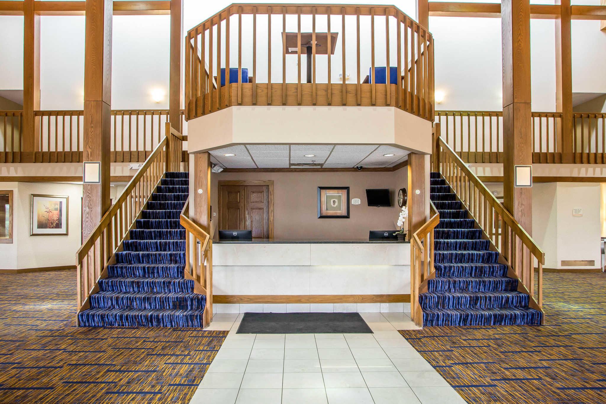 Clarion Inn image 6