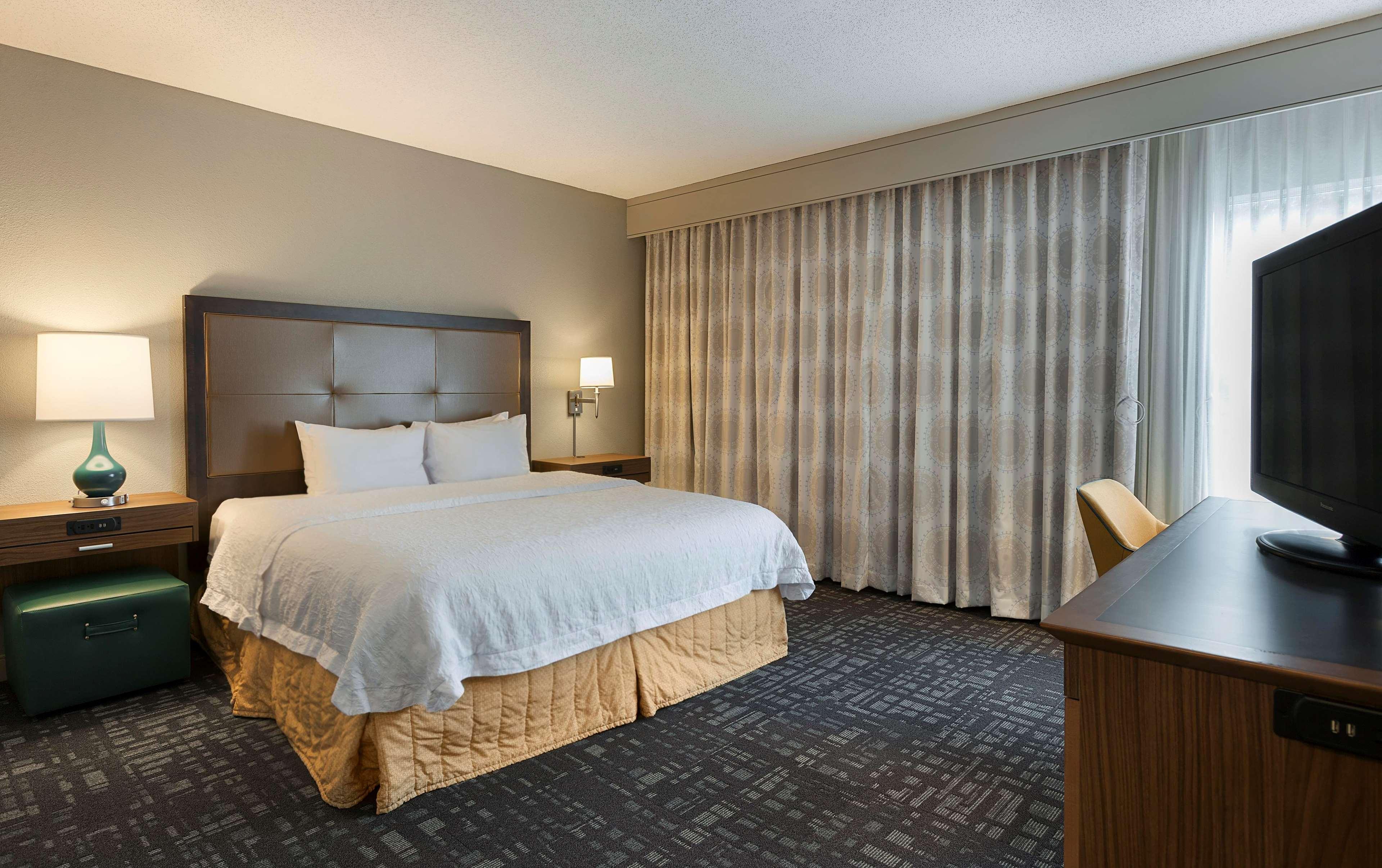 Hampton Inn & Suites Charlotte/Pineville image 27