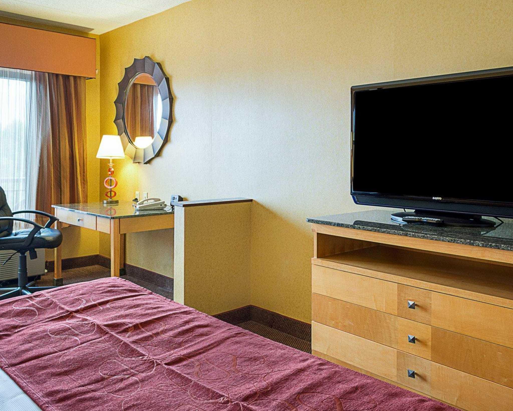 Comfort Suites Southpark image 16