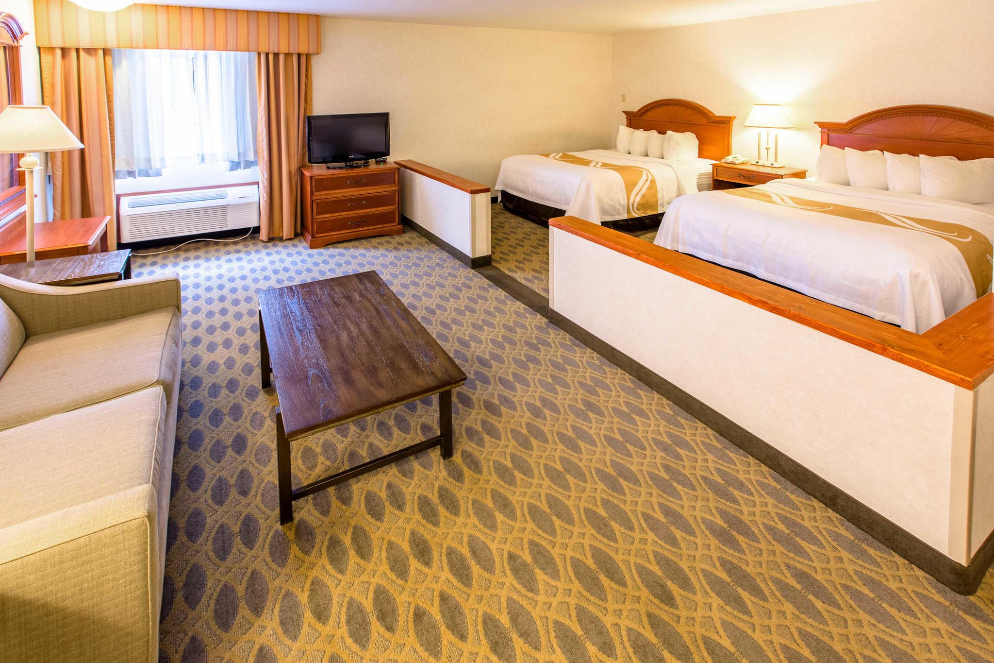Quality Inn & Suites University image 16