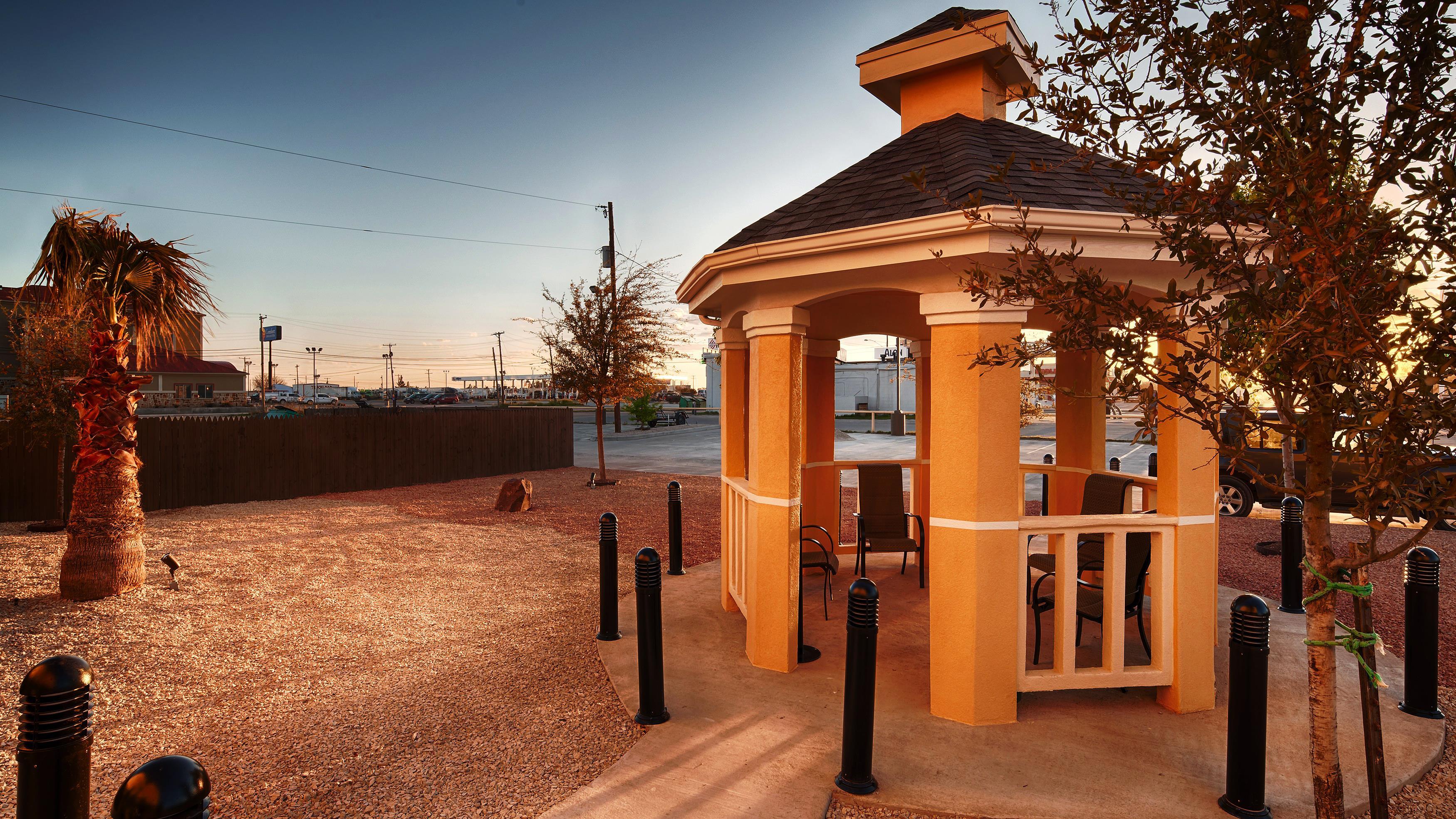 Best Western Plus Monahans Inn & Suites image 2