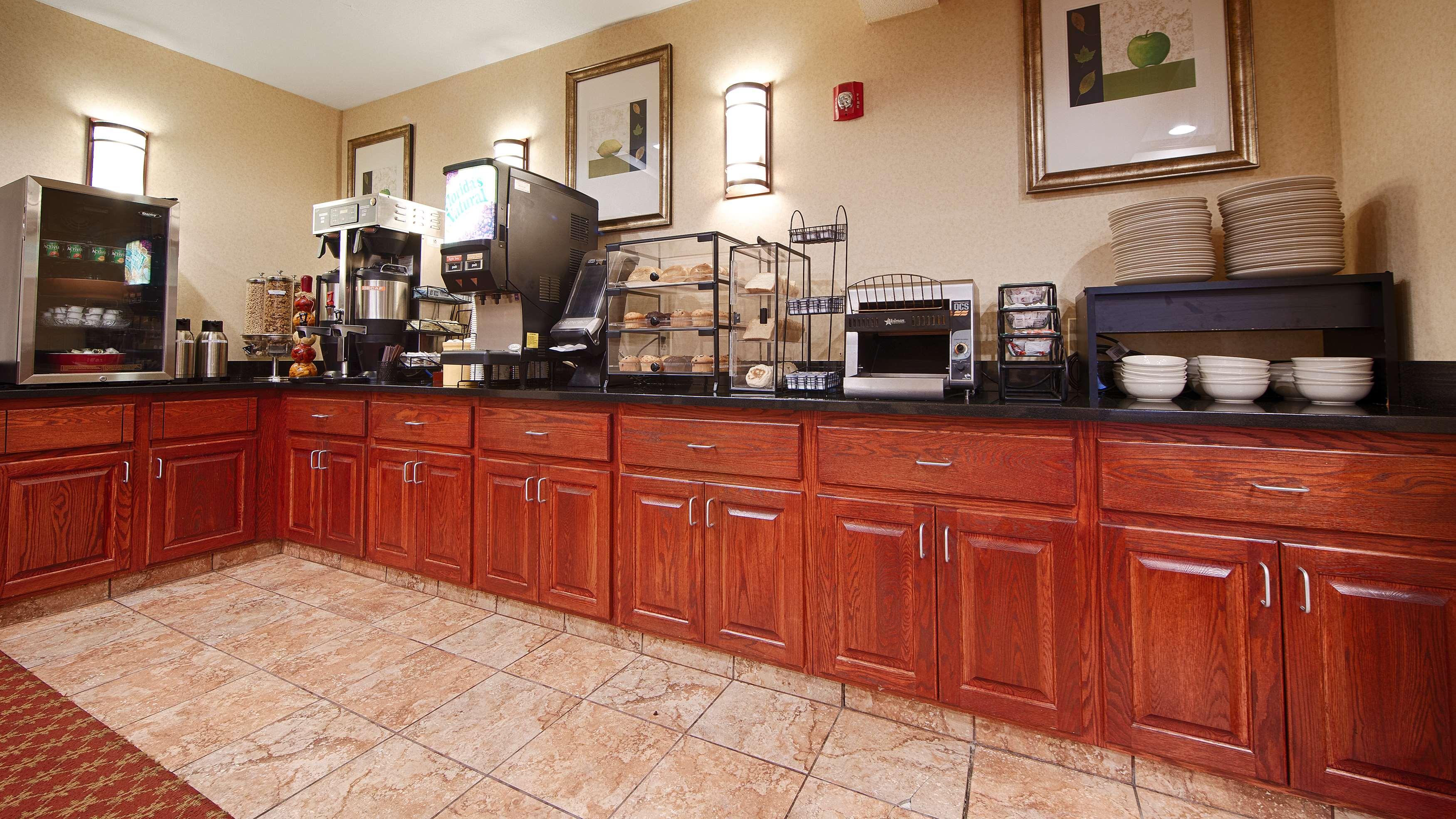 Best Western Providence-Seekonk Inn image 8