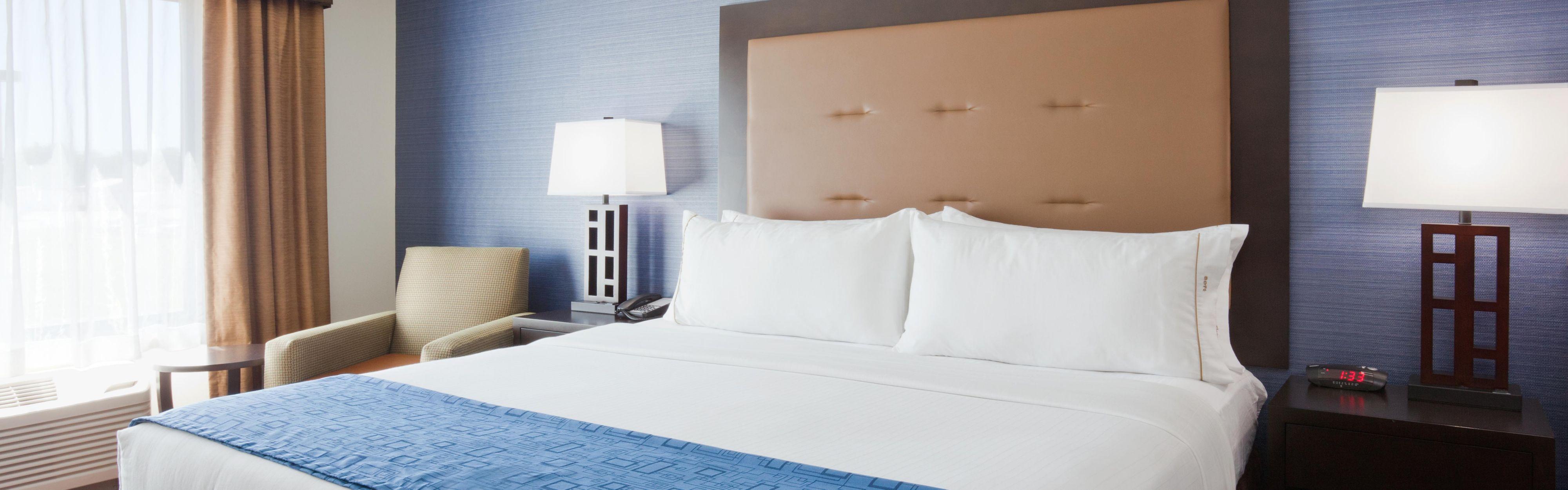 Holiday Inn Express & Suites Fort Dodge image 1