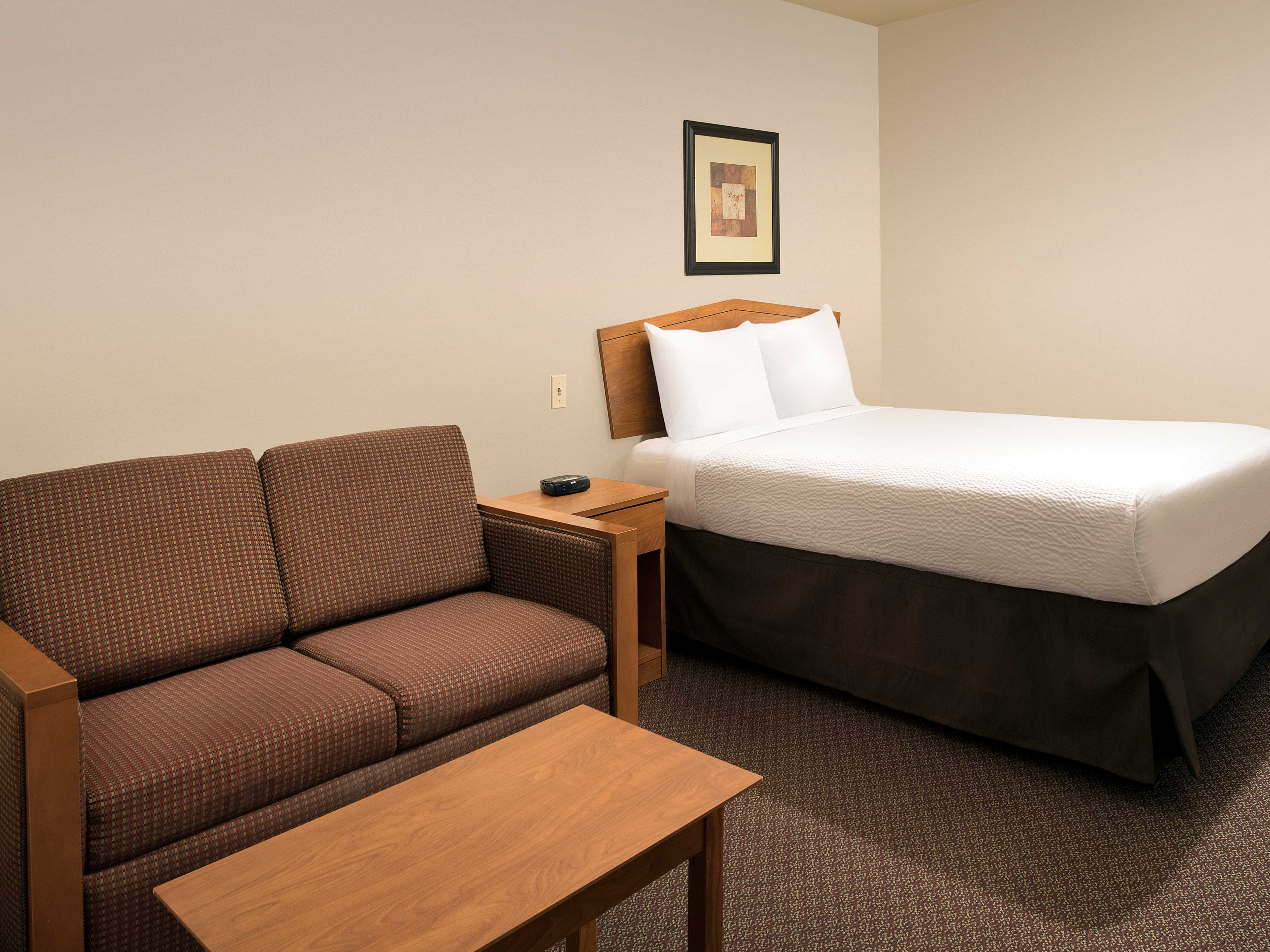 WoodSpring Suites Omaha Bellevue image 18