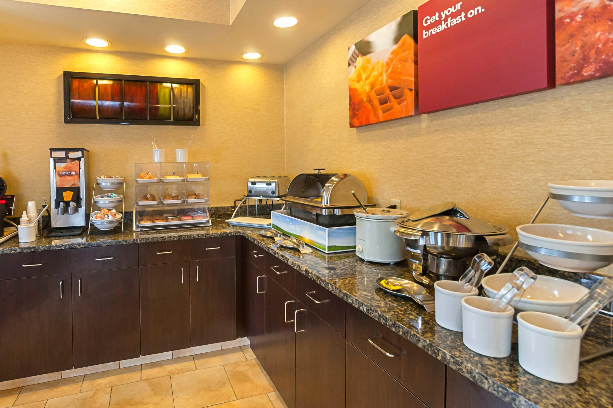 Comfort Suites Manhattan image 24