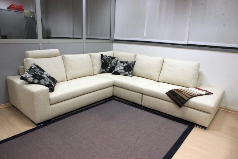 2 emme divani e poltrone rivestimenti mobili cant for Rivestimenti poltrone