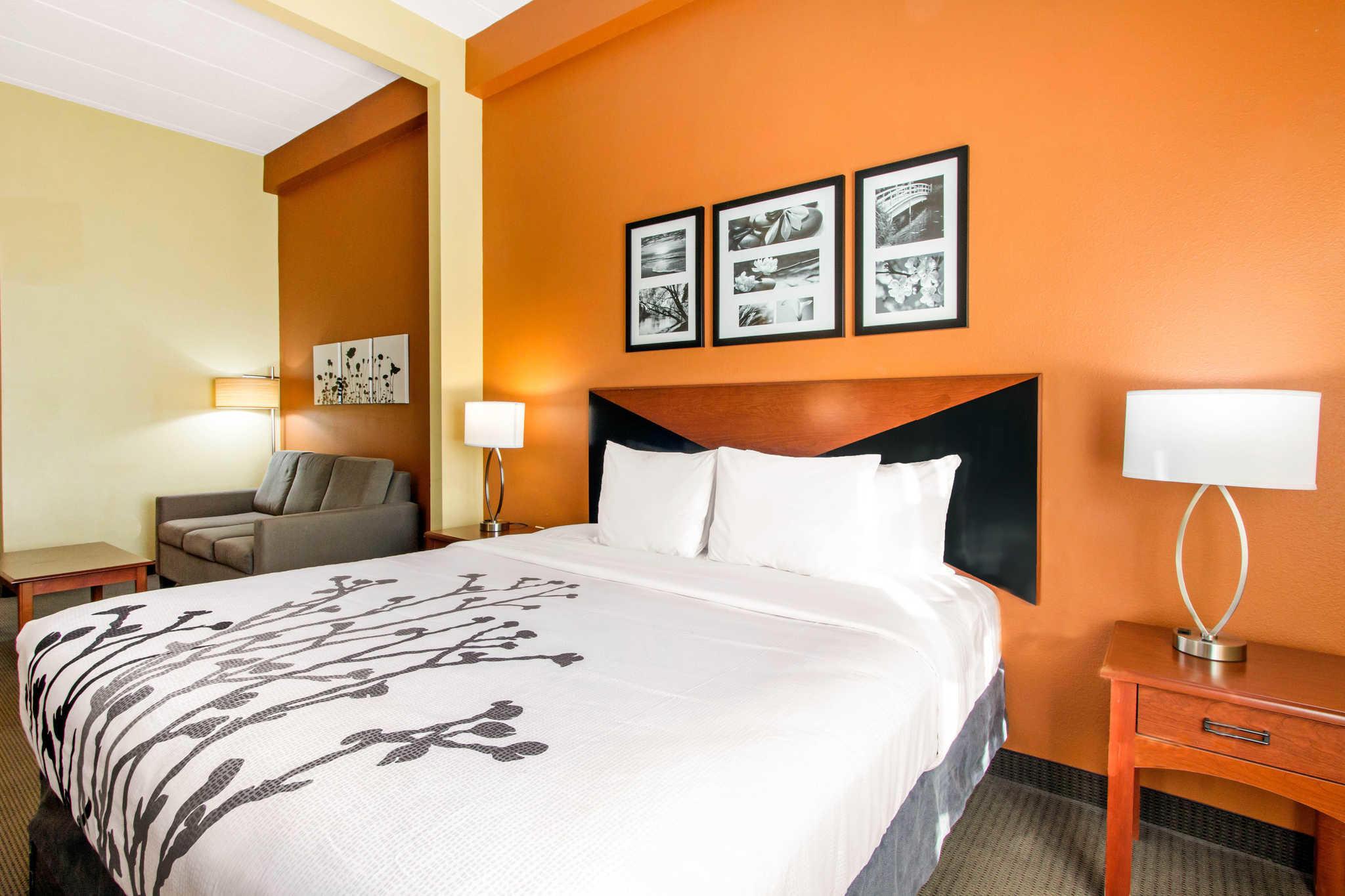Sleep Inn & Suites Wildwood - The Villages image 16