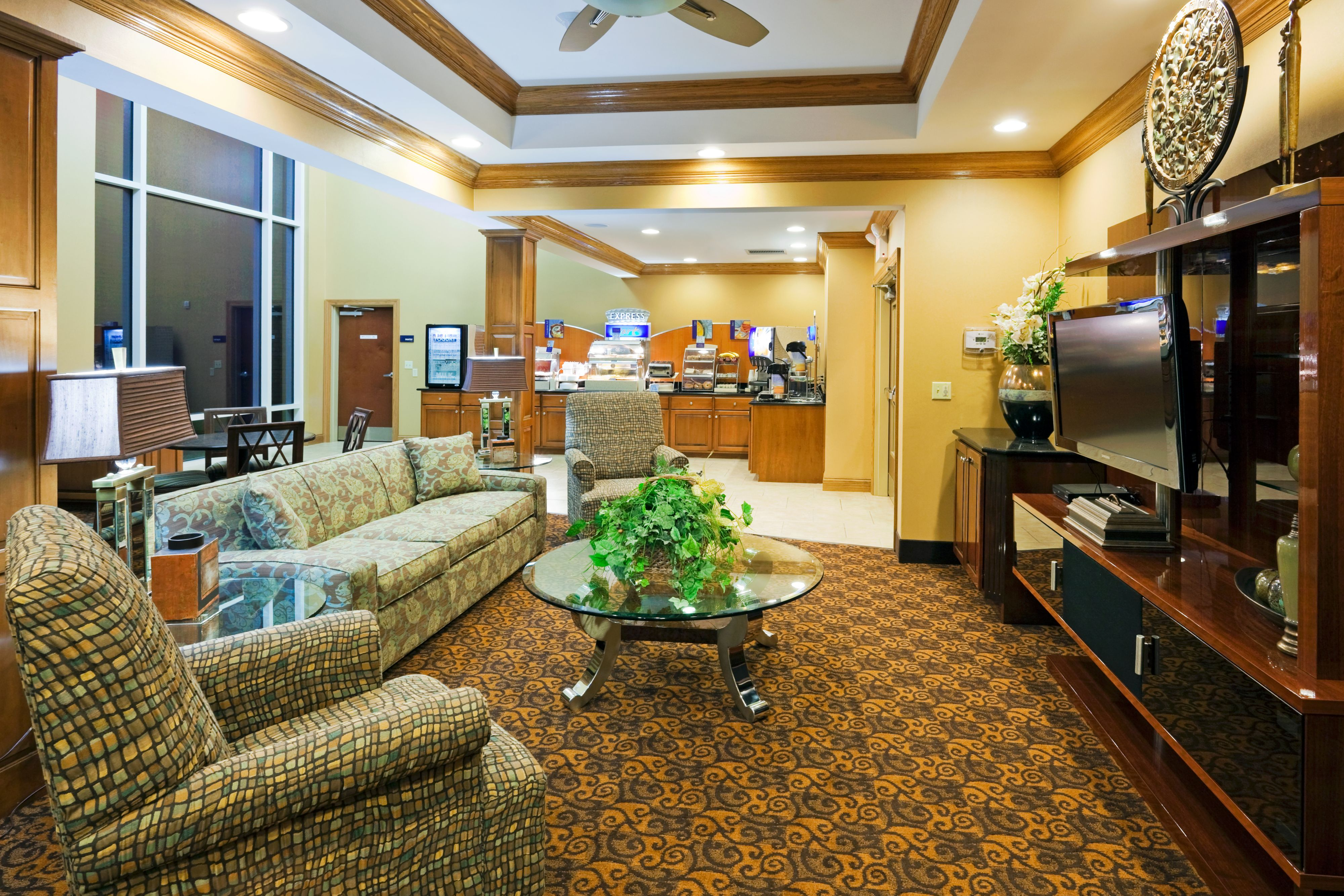 Holiday Inn Express & Suites Somerset Central image 4