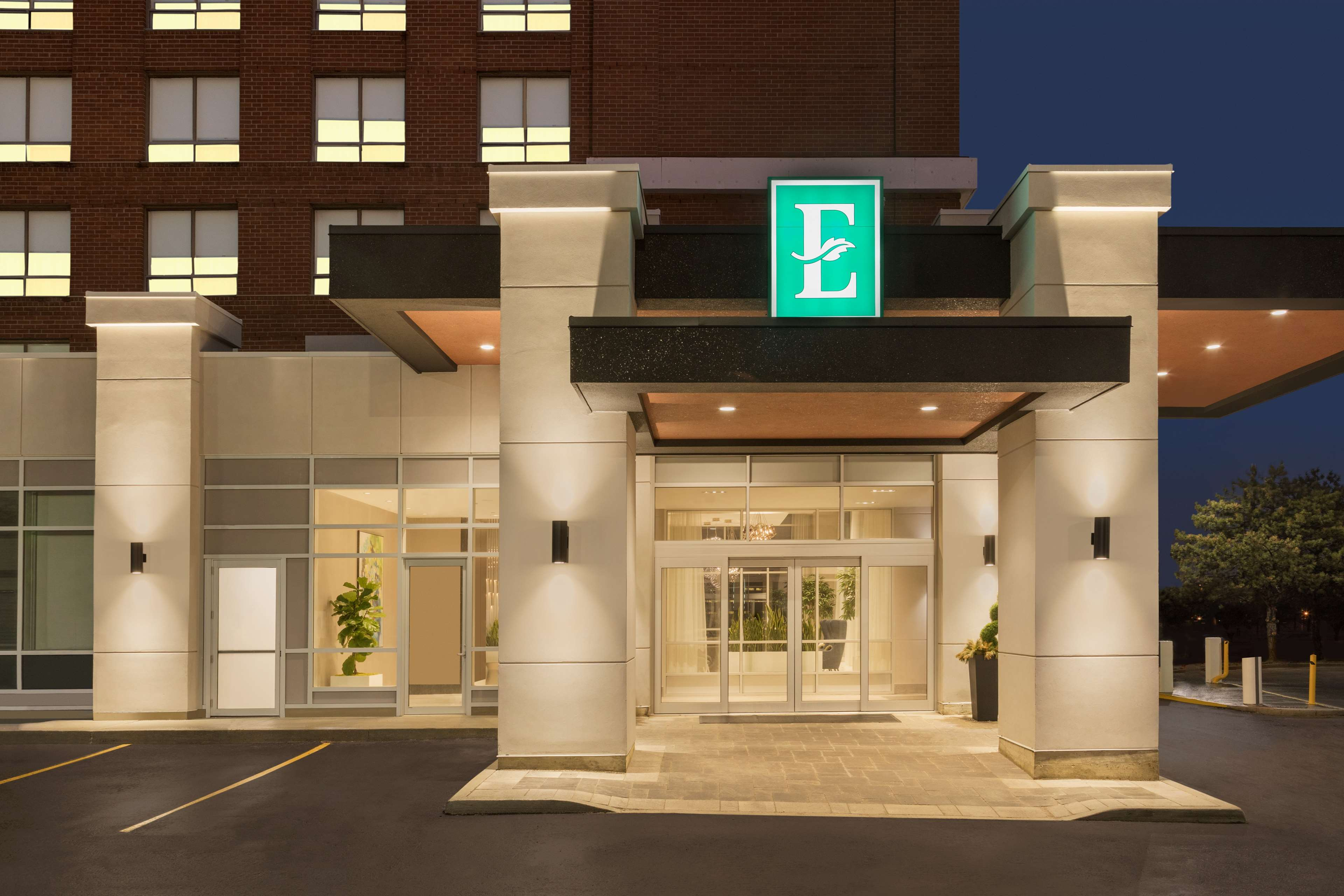 Embassy Suites By Hilton Toronto Airport Toronto On Ourbis