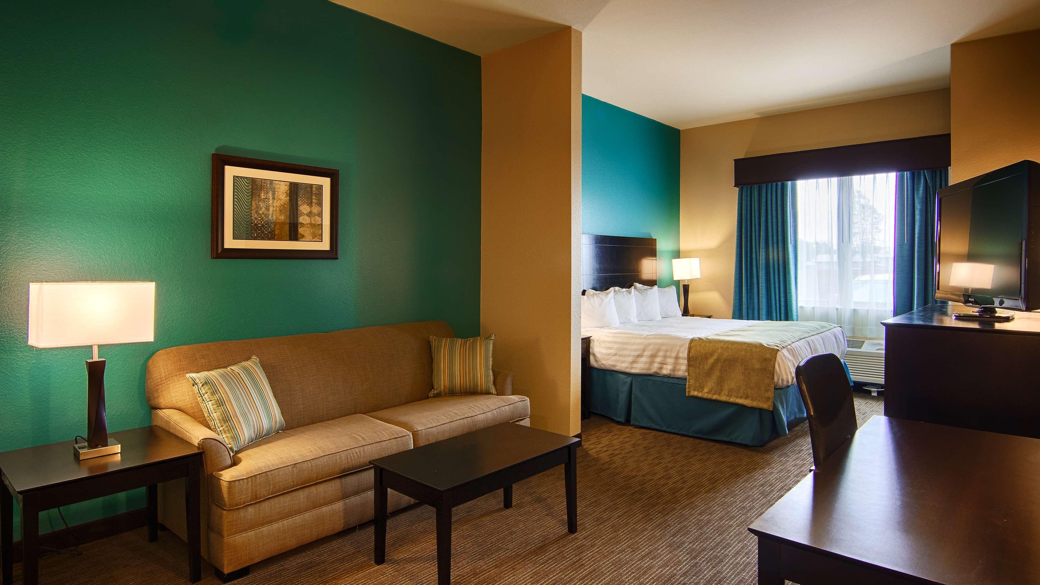 Best Western Lindsay Inn & Suites image 11