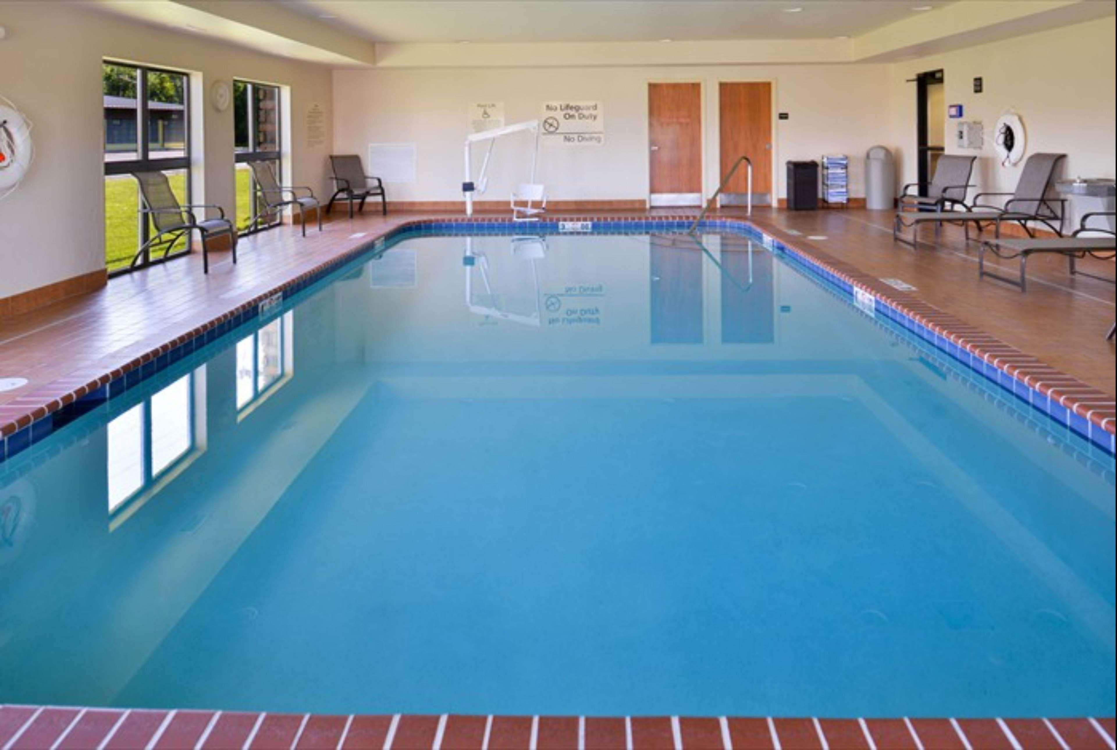 Hampton Inn & Suites Richmond image 46