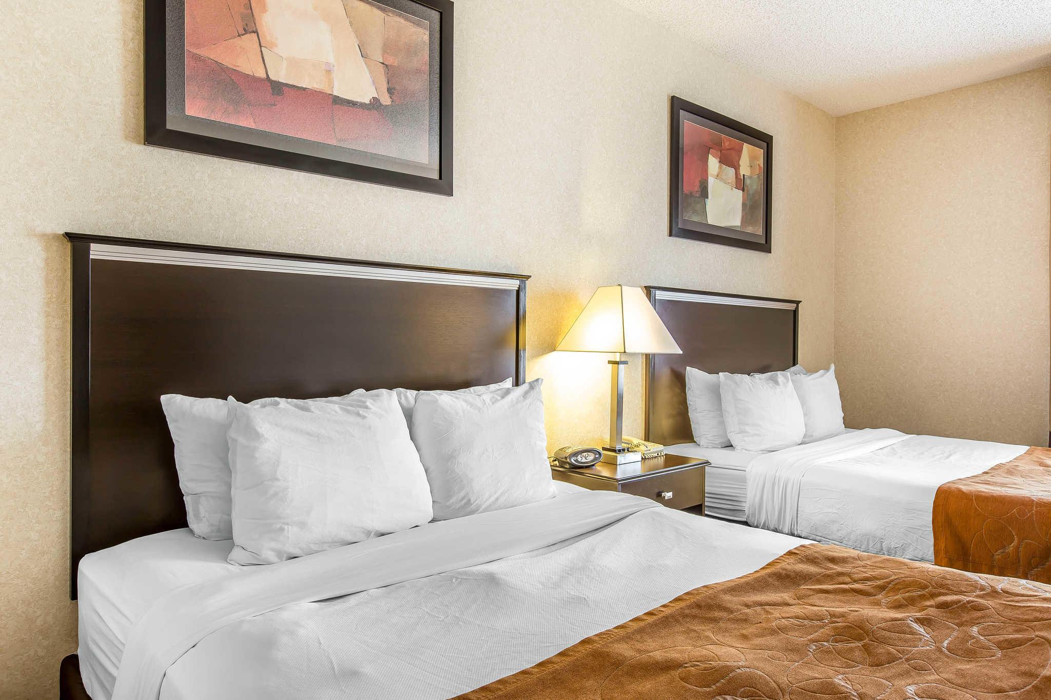 Comfort Suites Summit County image 12