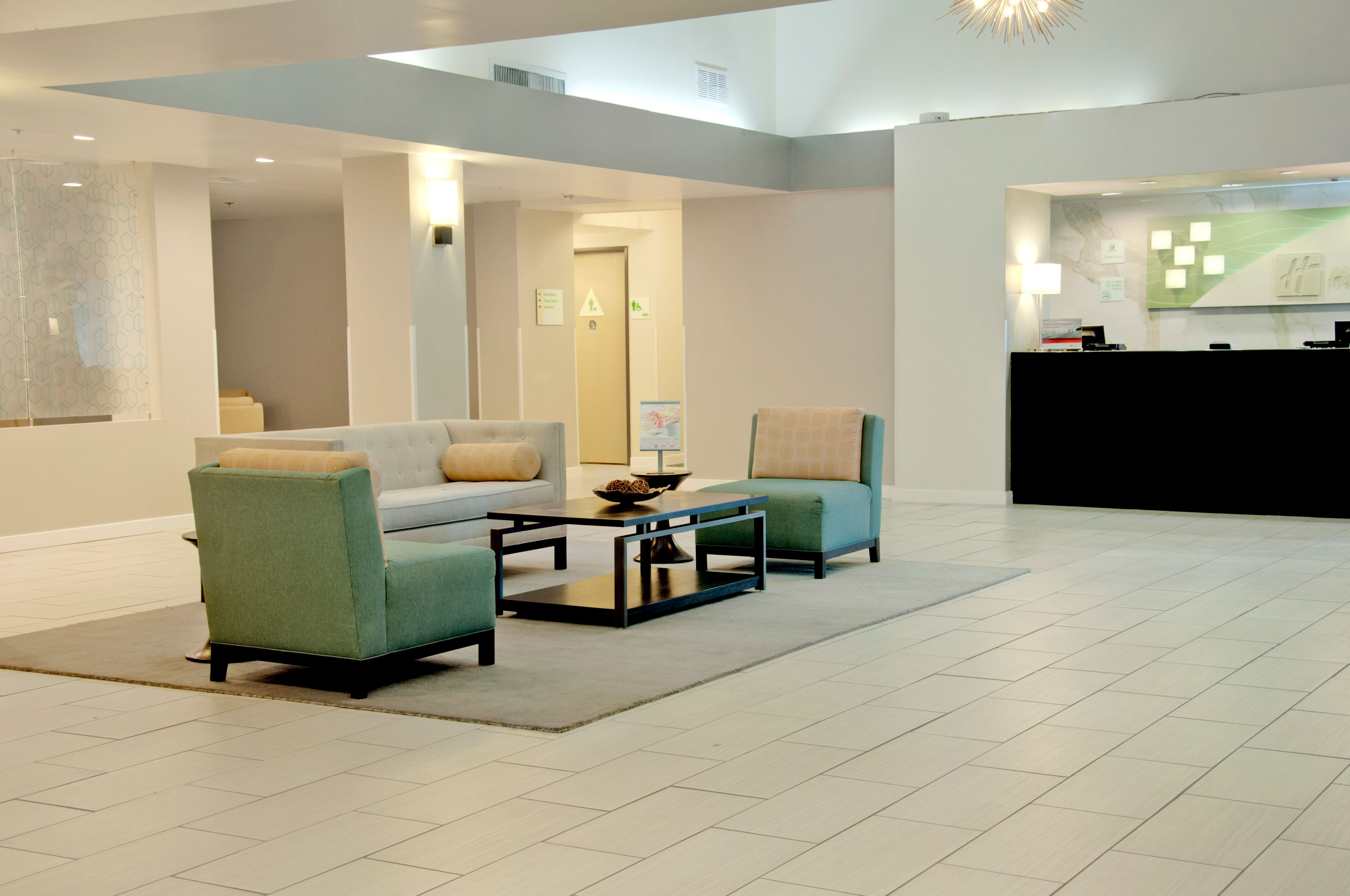 Holiday Inn Victorville image 2