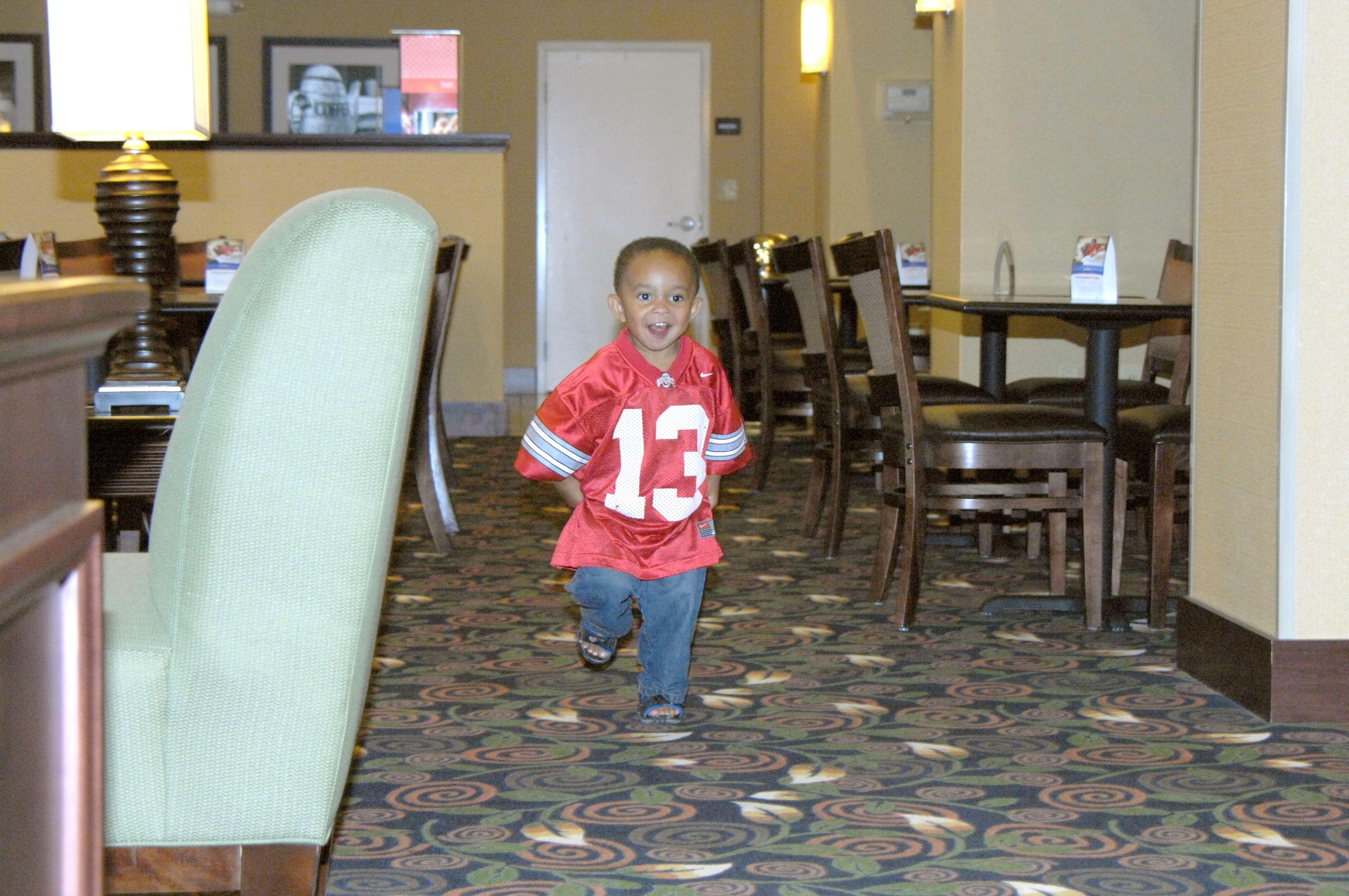 Hampton Inn & Suites Dayton-Airport image 13