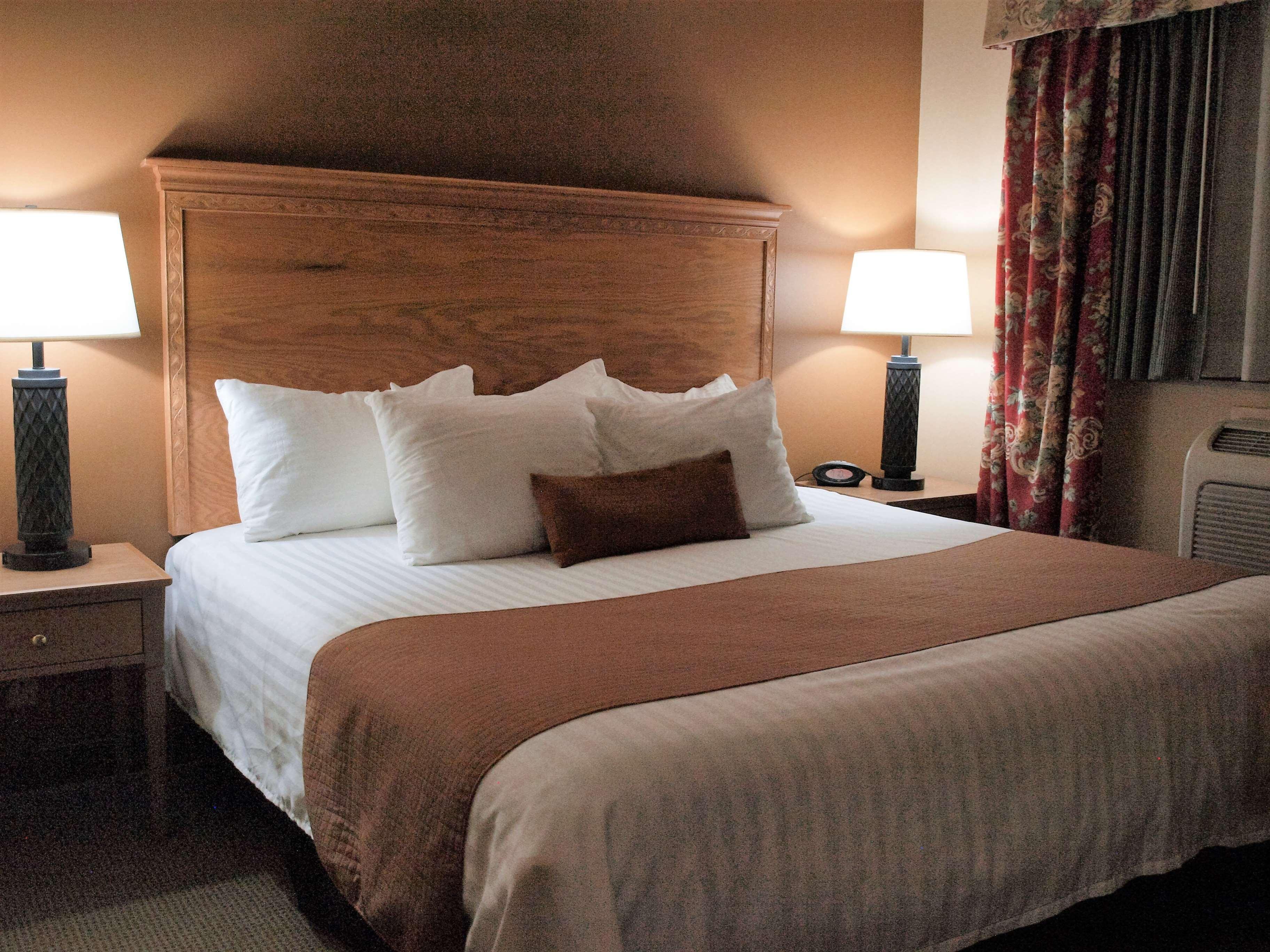 Best Western Plus Caldwell Inn & Suites image 25