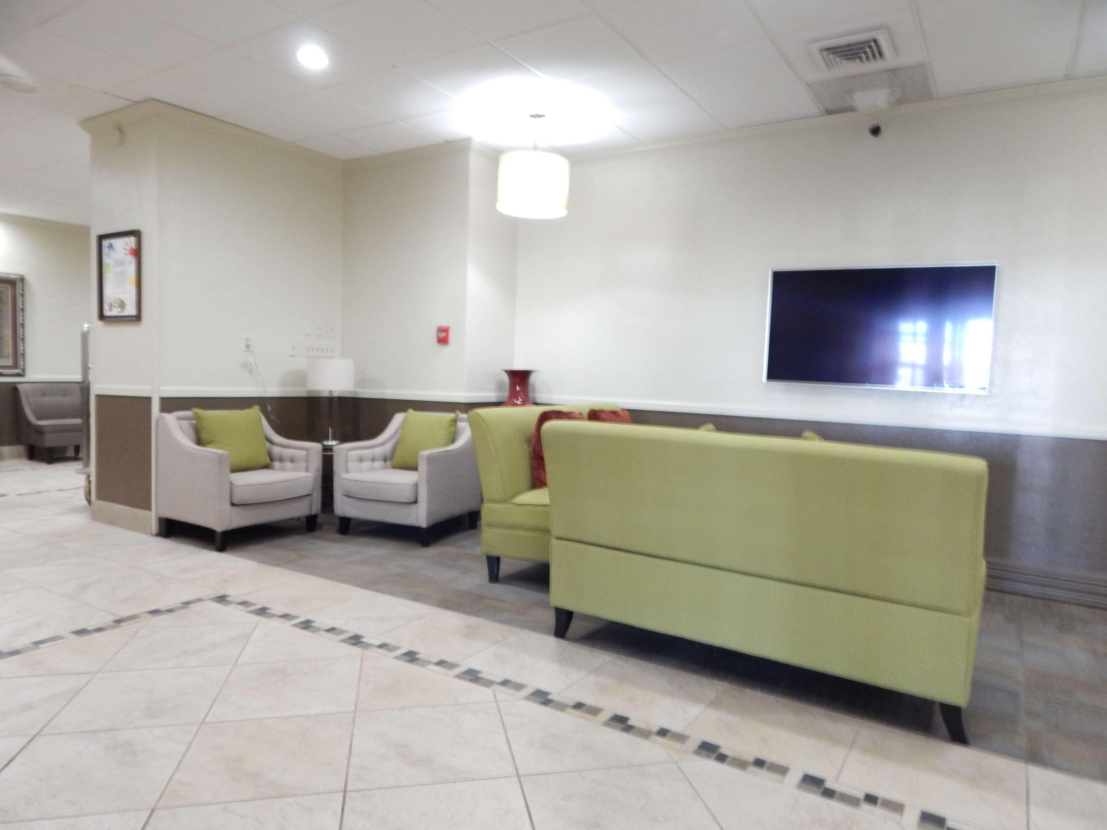 Best Western Plus Lawton Hotel & Convention Center image 1