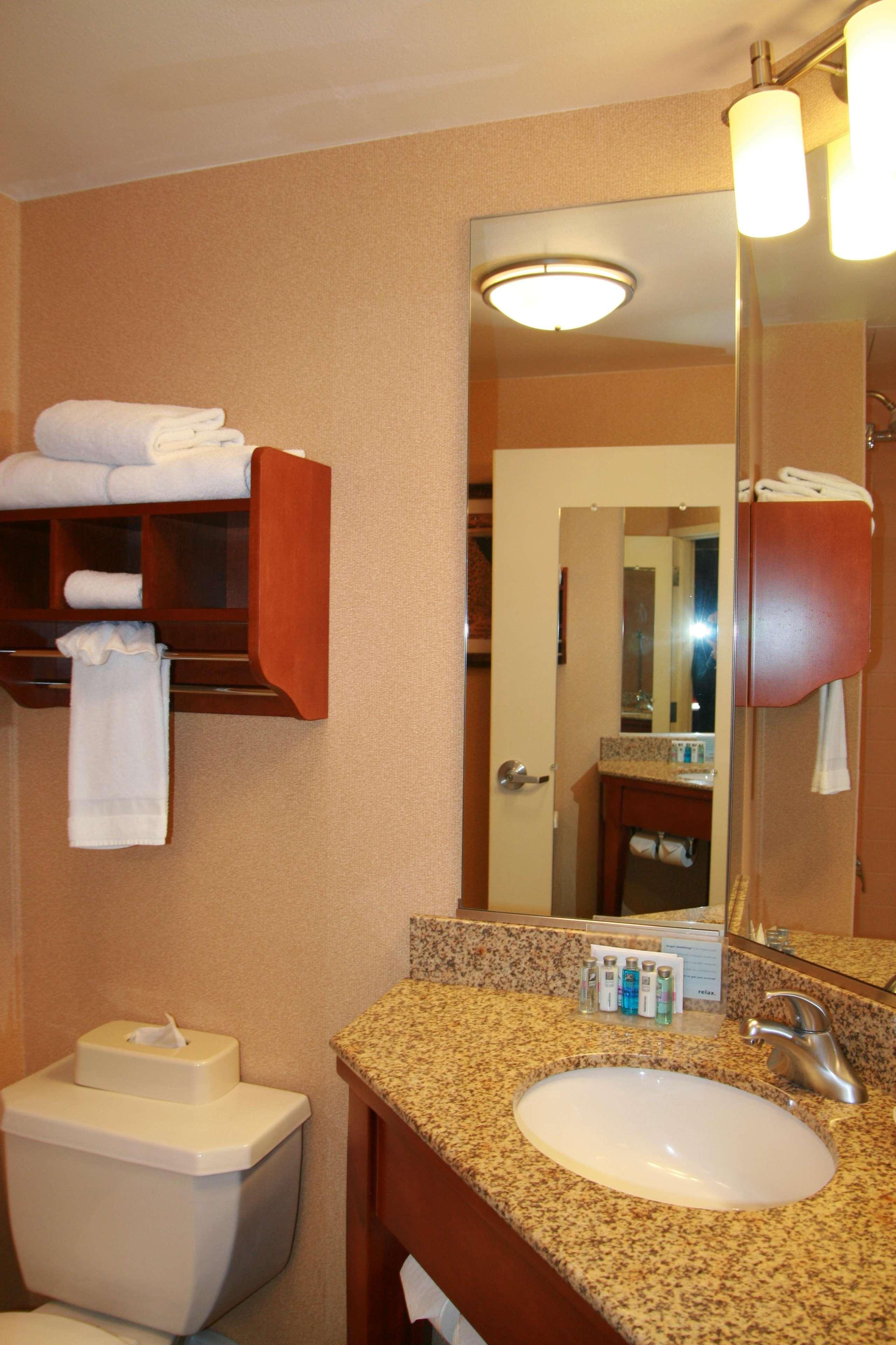 Hampton Inn Albuquerque-University/Midtown image 30