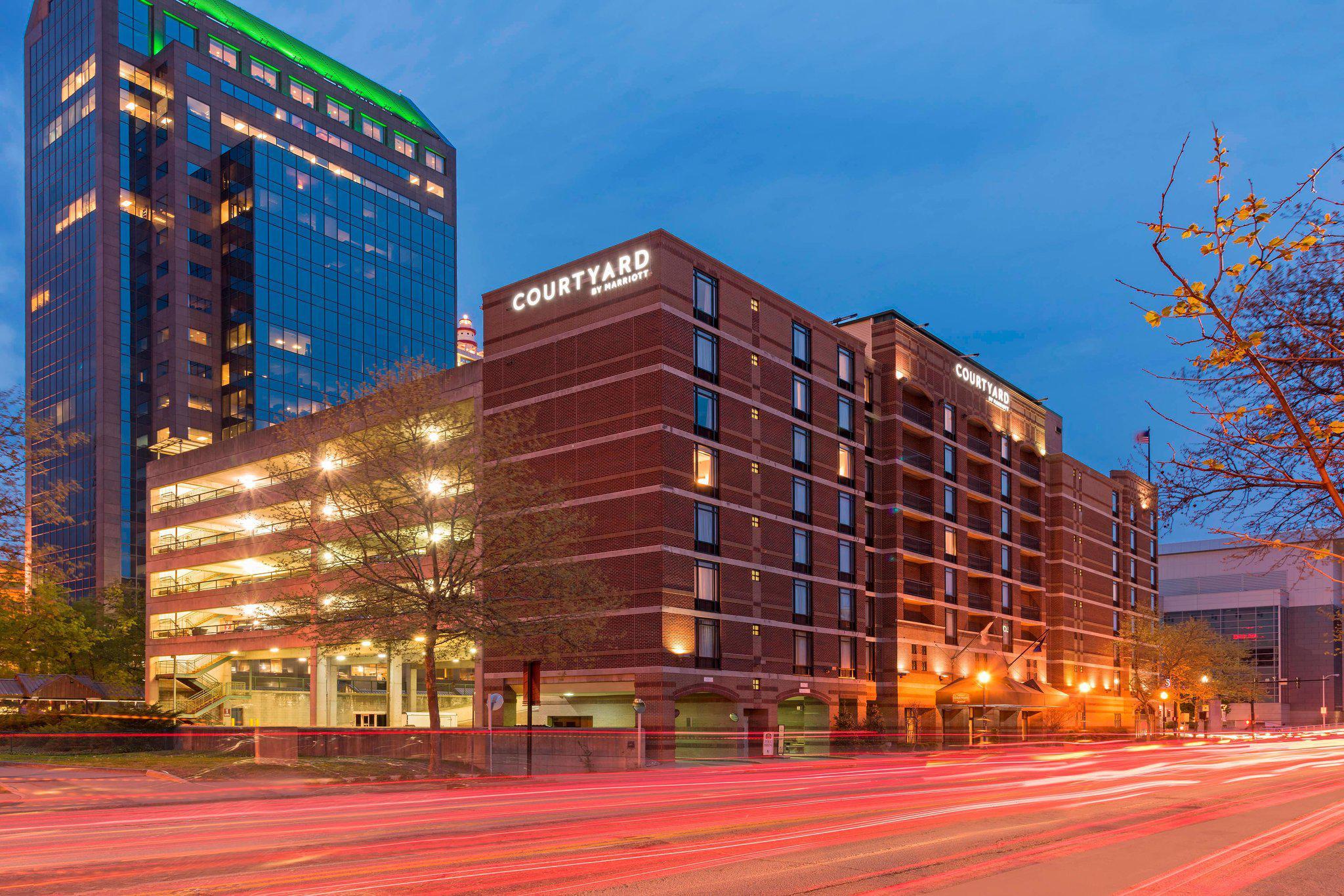 Courtyard by Marriott Louisville Downtown