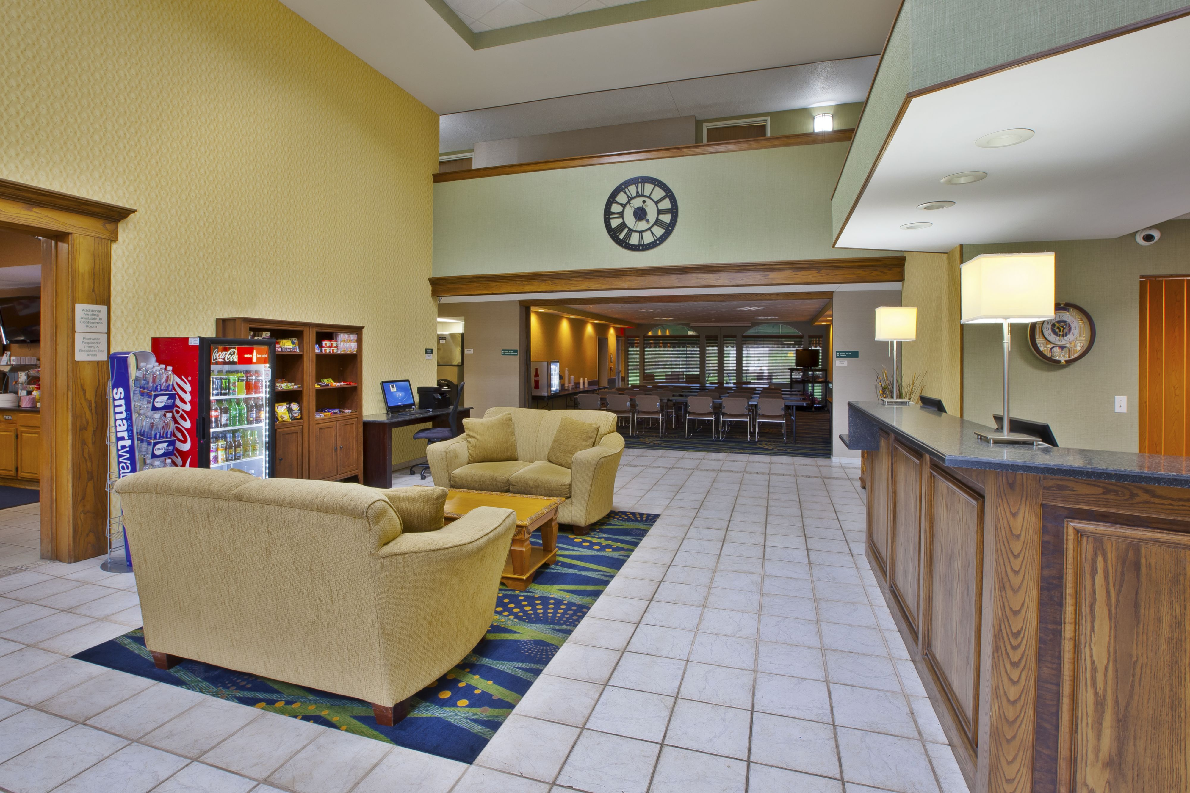 Holiday Inn Express Irwin (Pa Tpk Exit 67) image 3