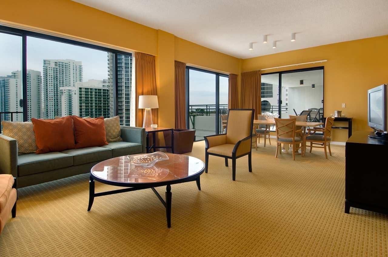 Hilton Miami Downtown image 15