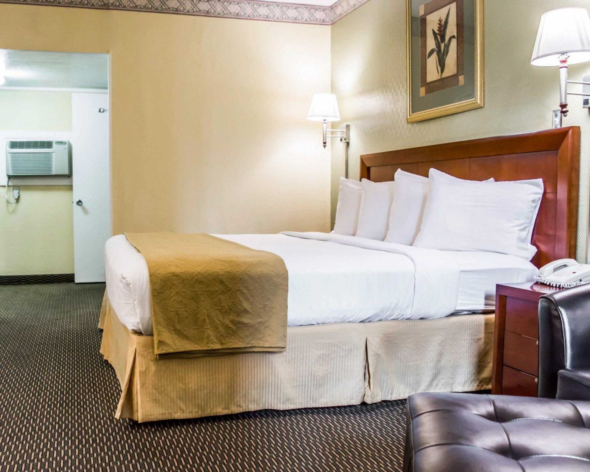 Quality Inn Airport - Cruise Port image 10
