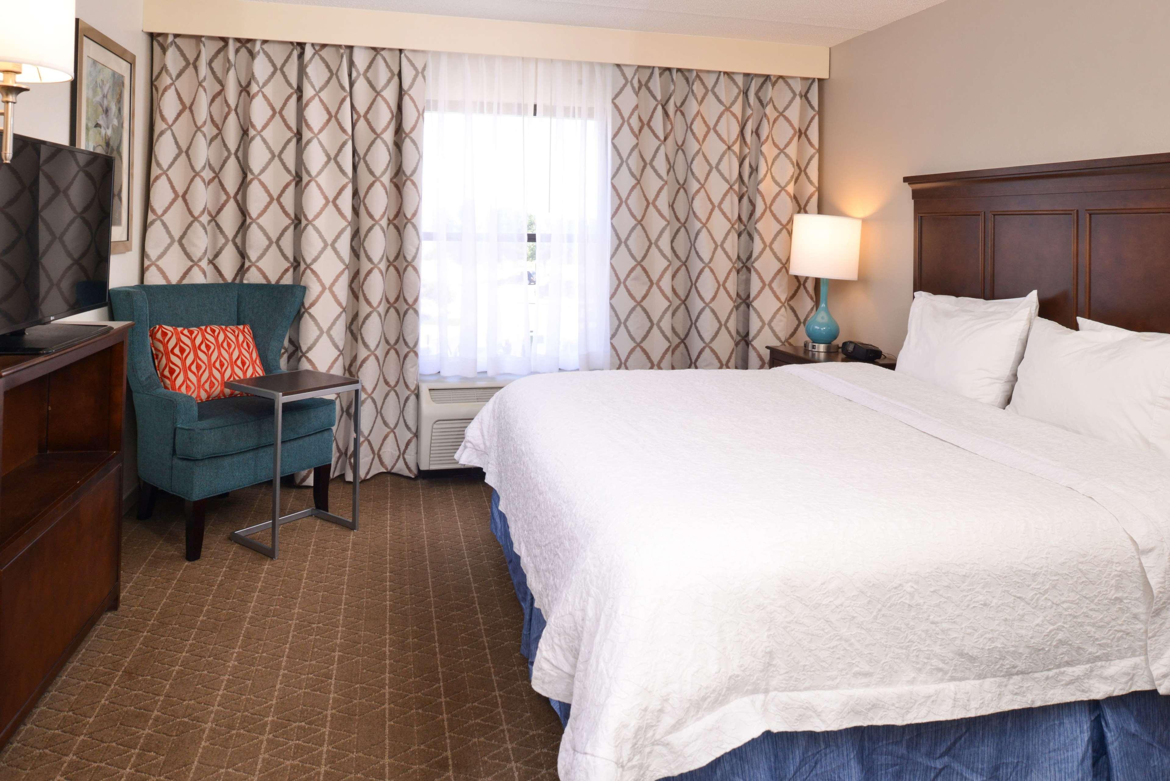 Hampton Inn & Suites Pueblo-Southgate image 43