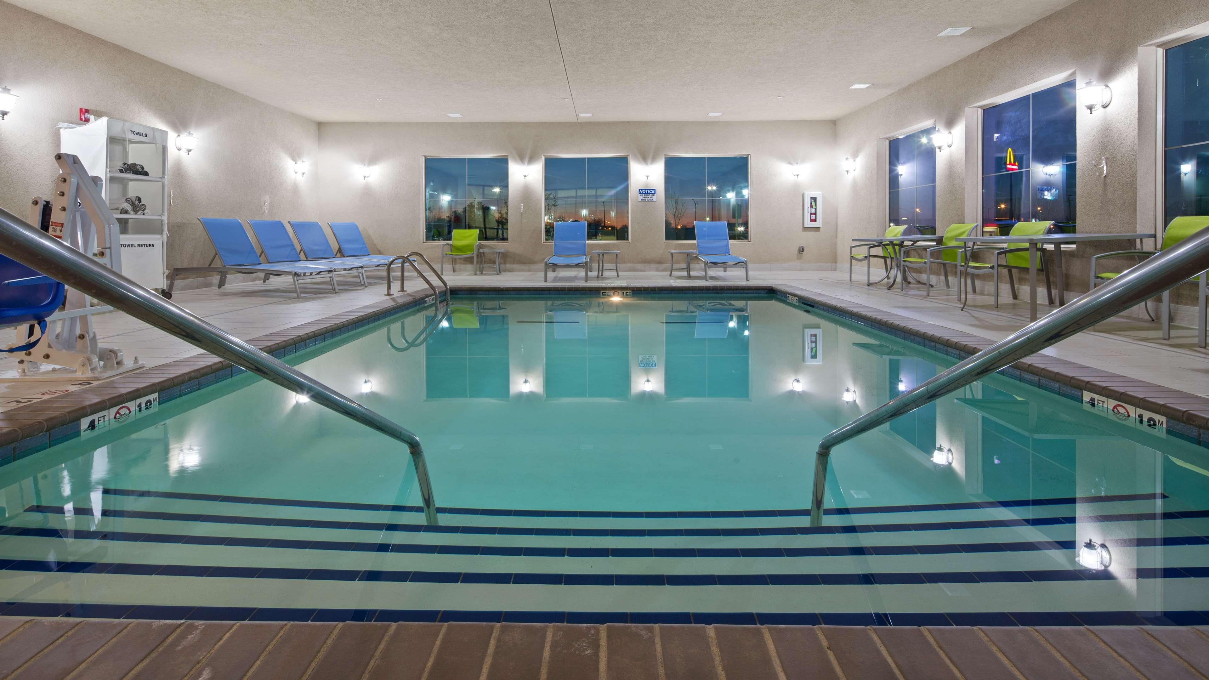 Best Western Lindsay Inn & Suites image 9