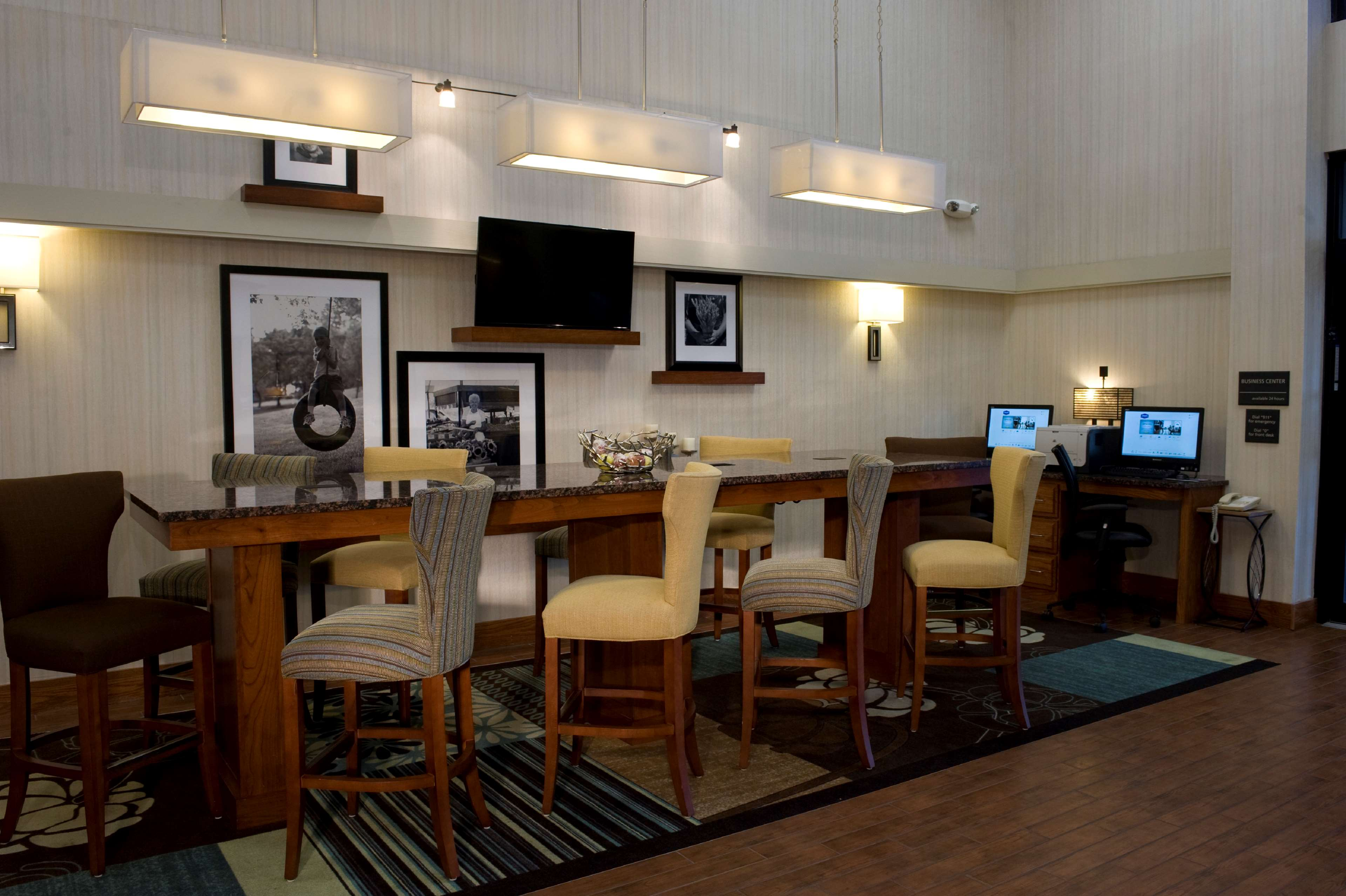 Hampton Inn Springfield-South image 29