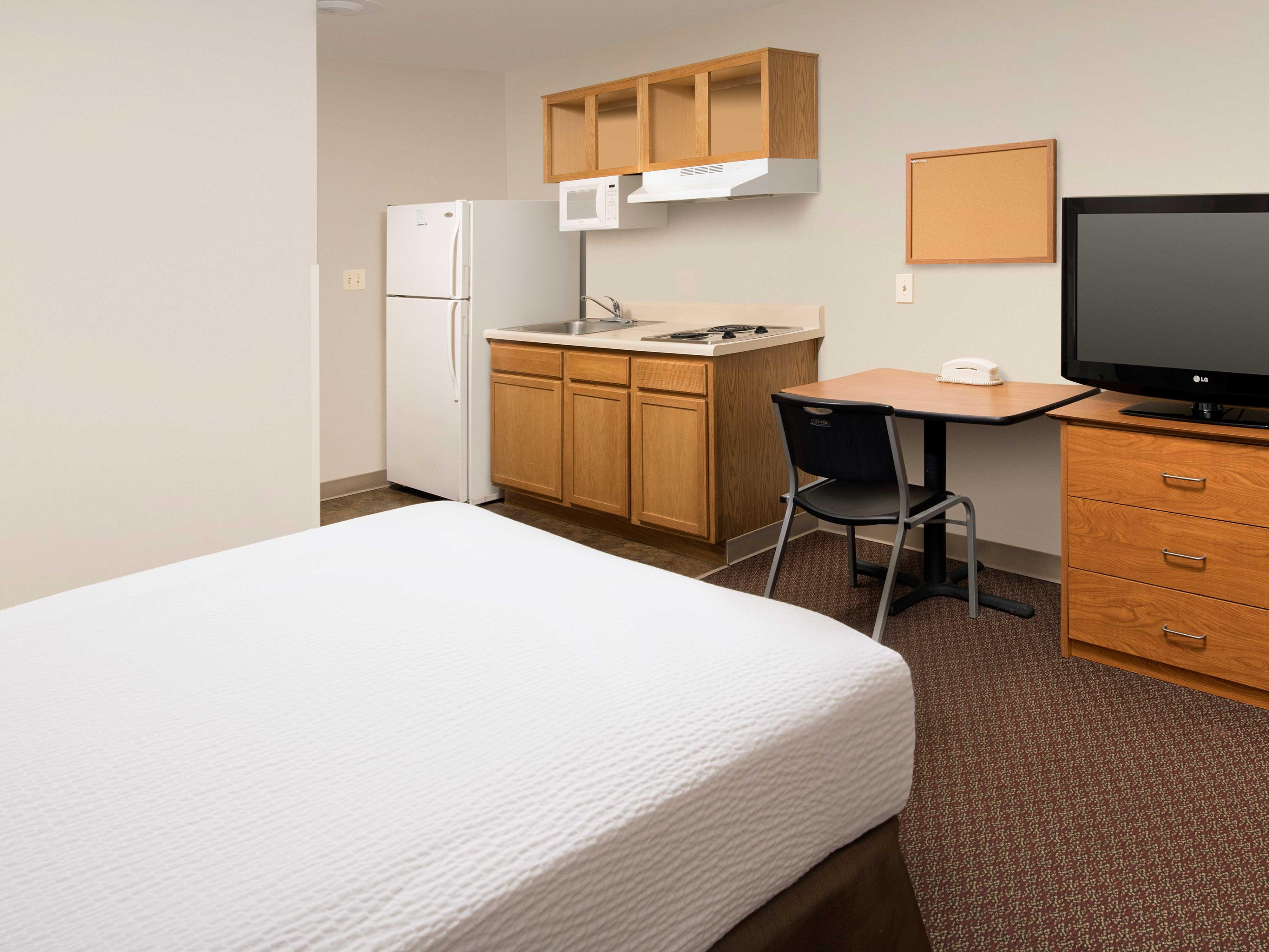 WoodSpring Suites Columbia Lexington image 17