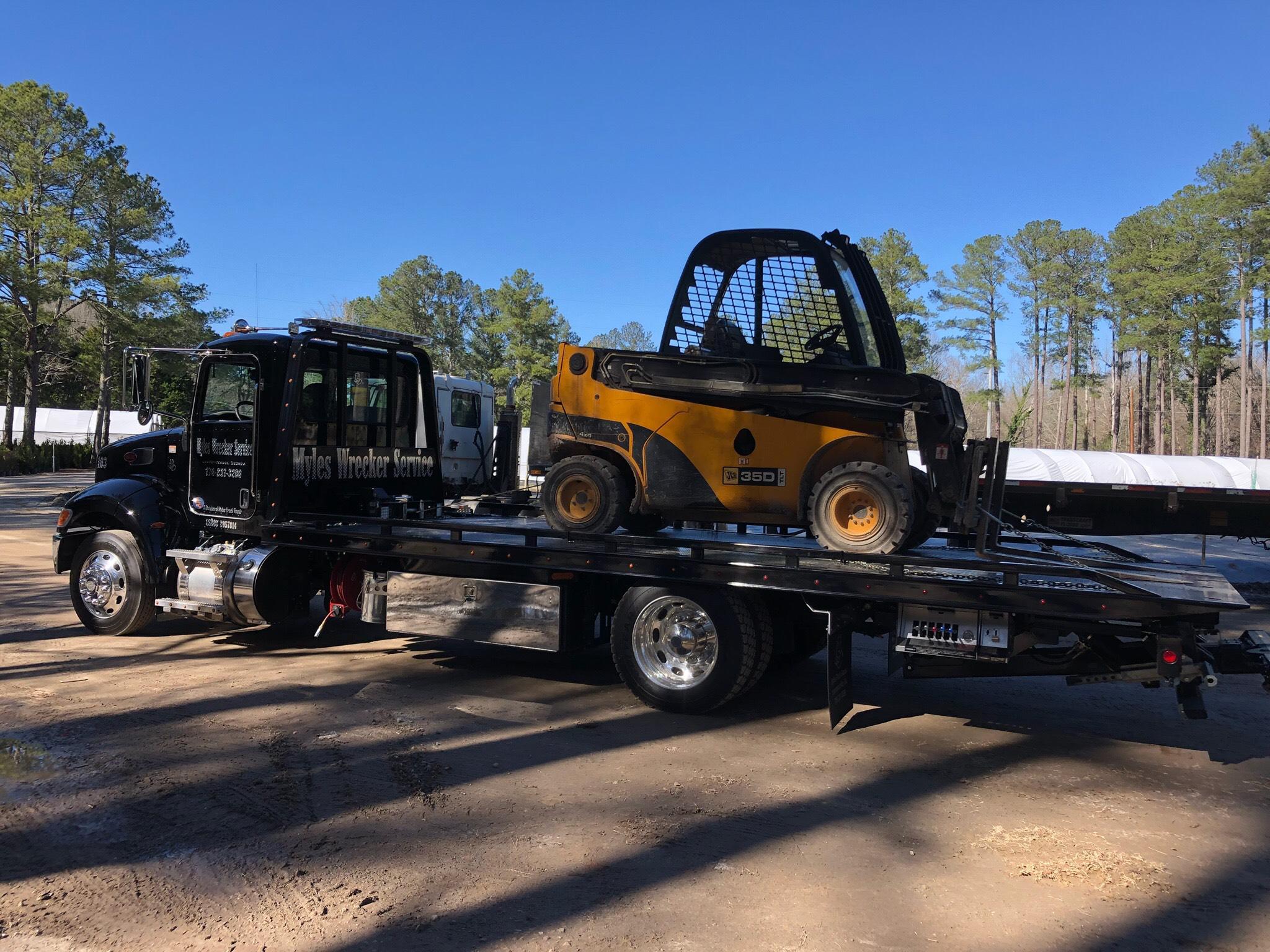 Myles Wrecker Service - Heavy Duty Towing