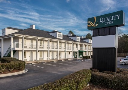 Quality Inn image 0