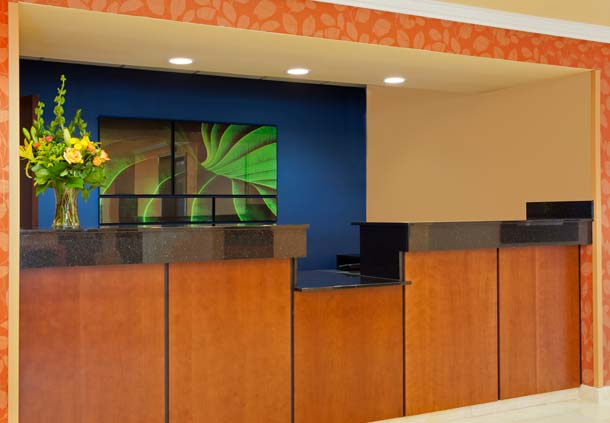 Fairfield Inn & Suites by Marriott Chicago Naperville image 1