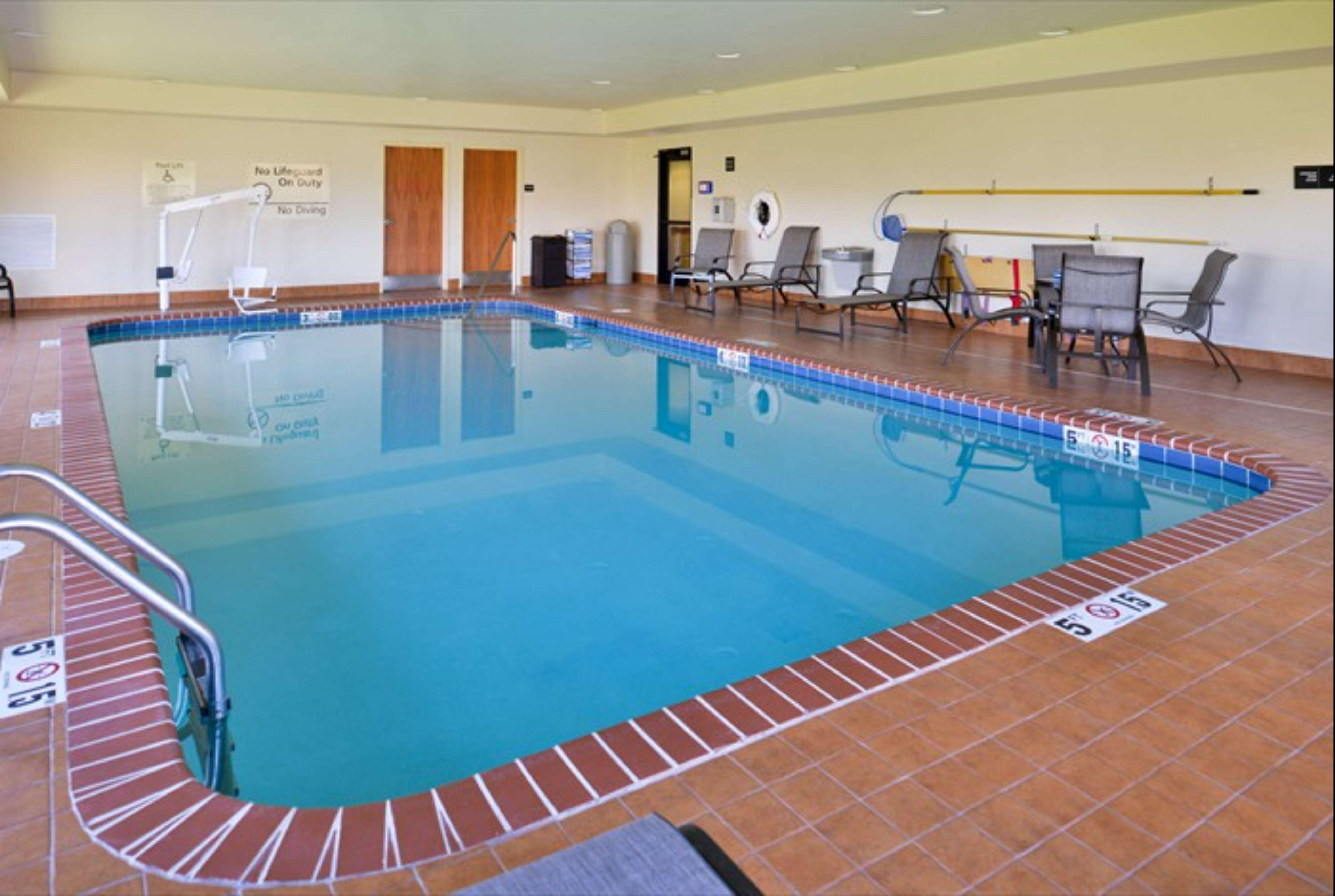 Hampton Inn & Suites Richmond image 23
