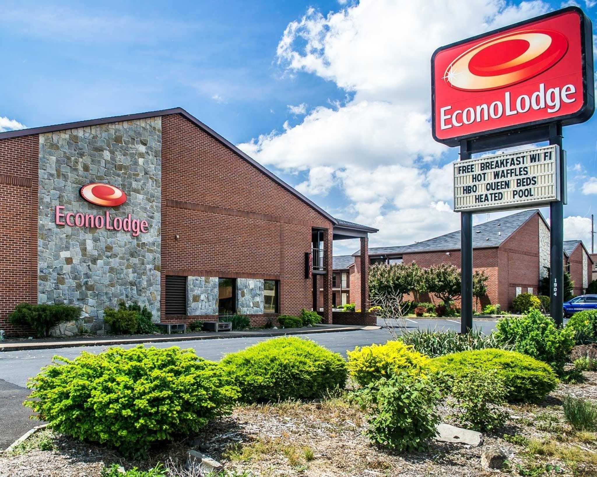 Econo Lodge North image 0