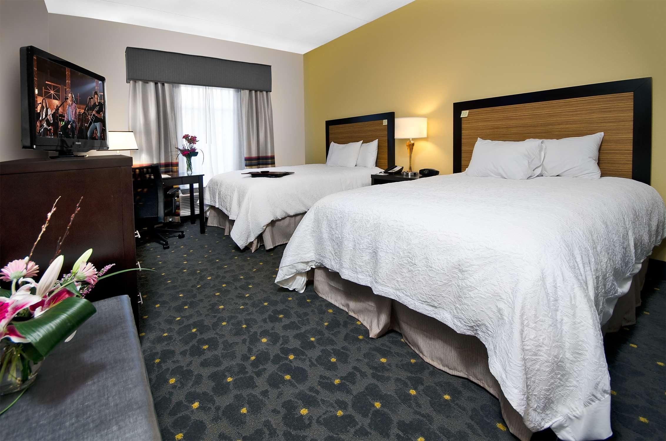 Hampton Inn & Suites Raleigh Downtown image 23