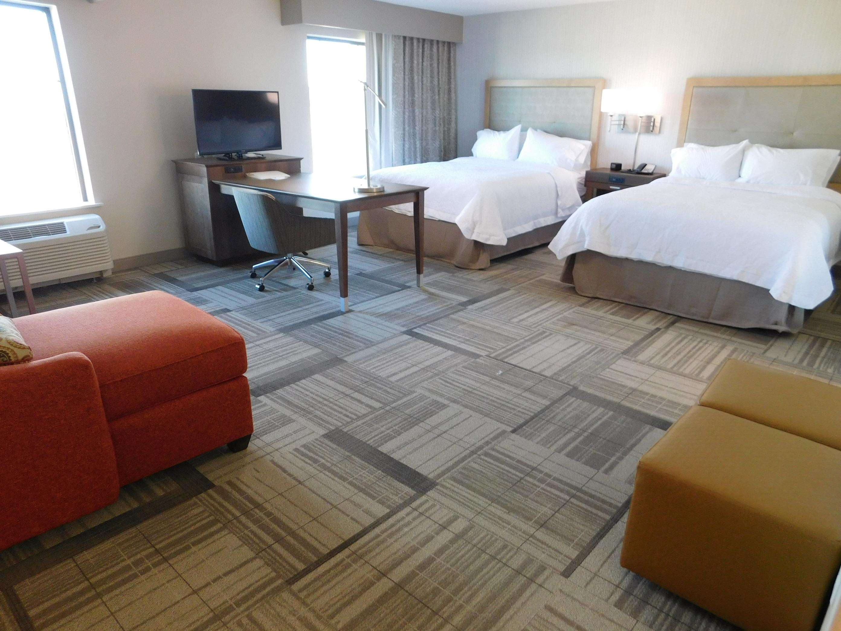 Hampton Inn & Suites Artesia image 2