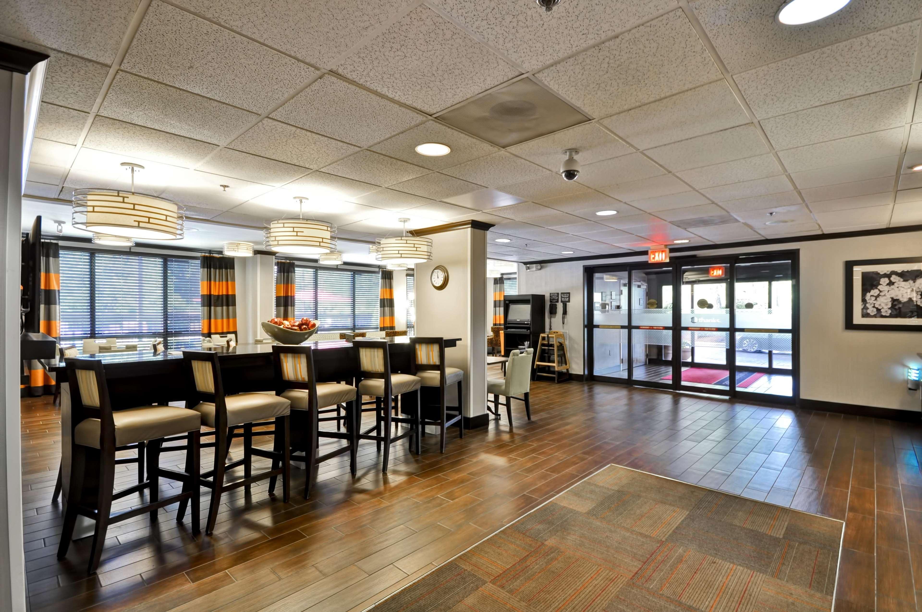 Hampton Inn Kansas City/Overland Park image 39