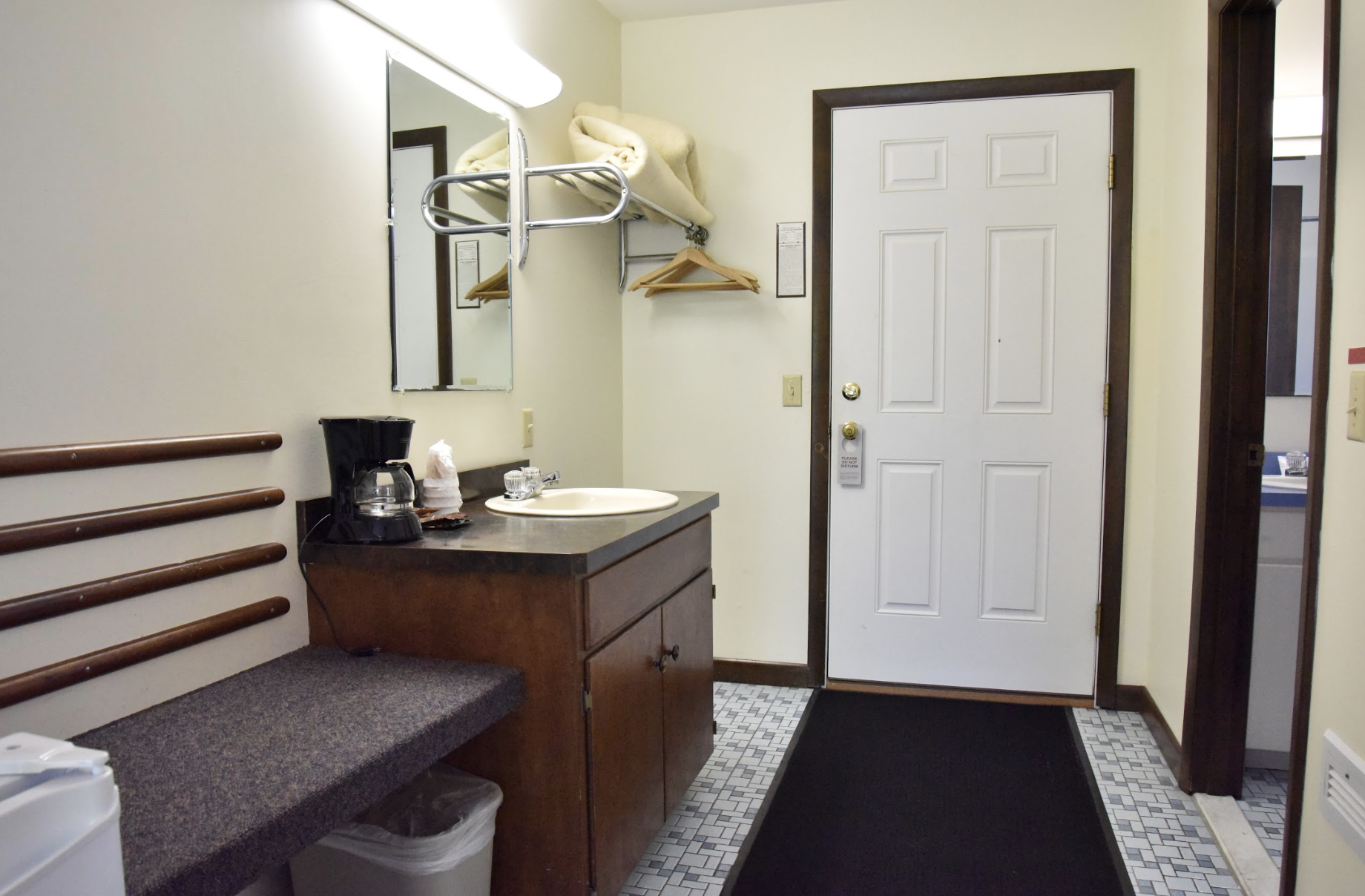 Edenbrook Motel image 9