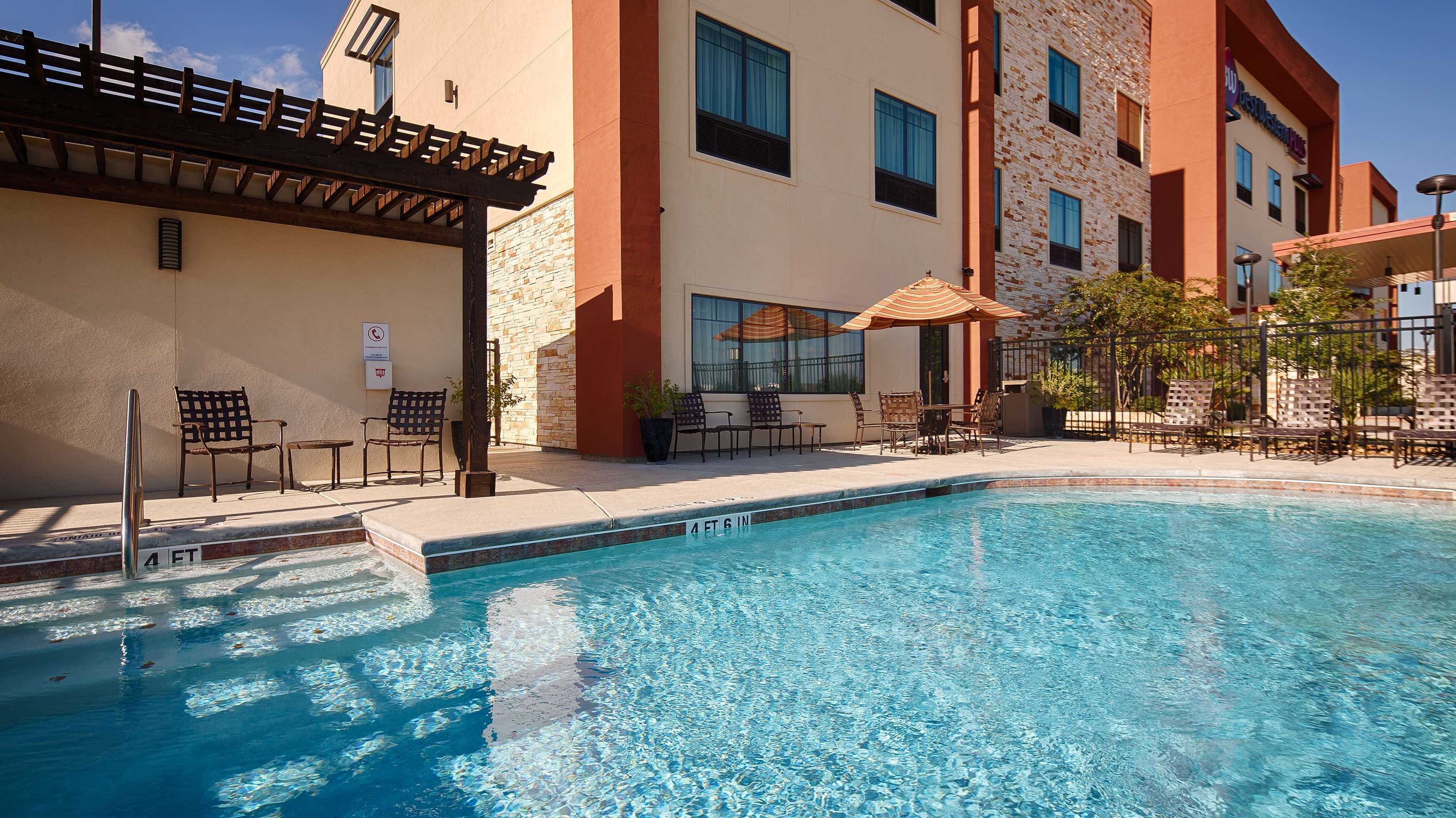 Best Western Plus College Station Inn & Suites image 25