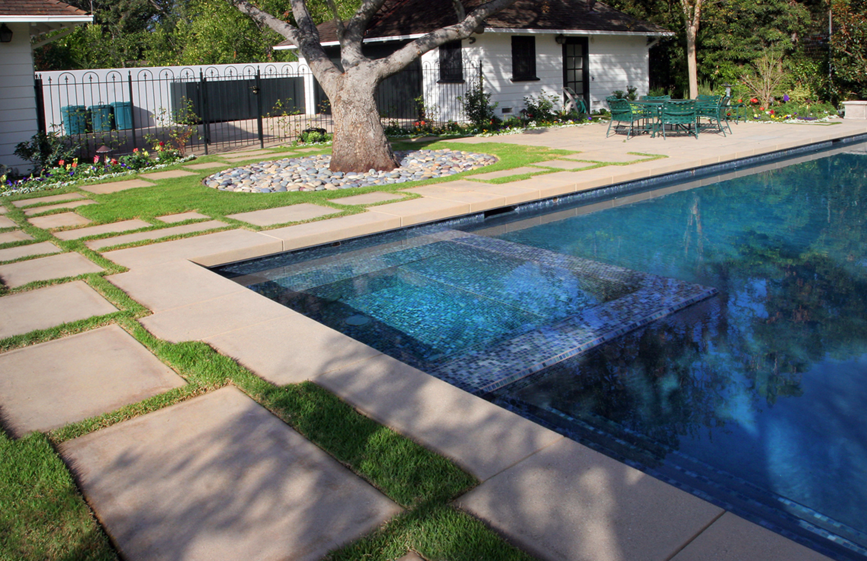 Luxe h2o santa barbara pool contractors coupons near me for Pool showrooms near me