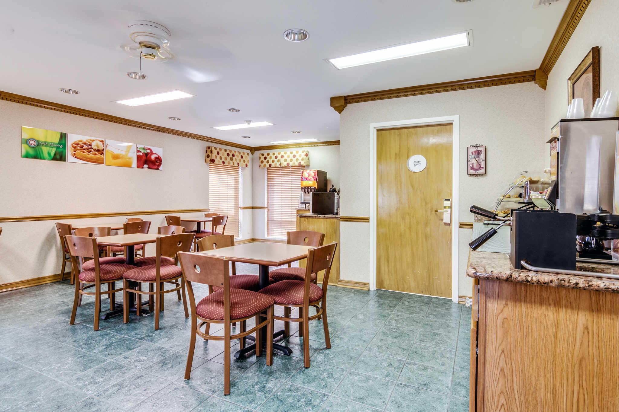 Quality Inn Jacksonville image 4