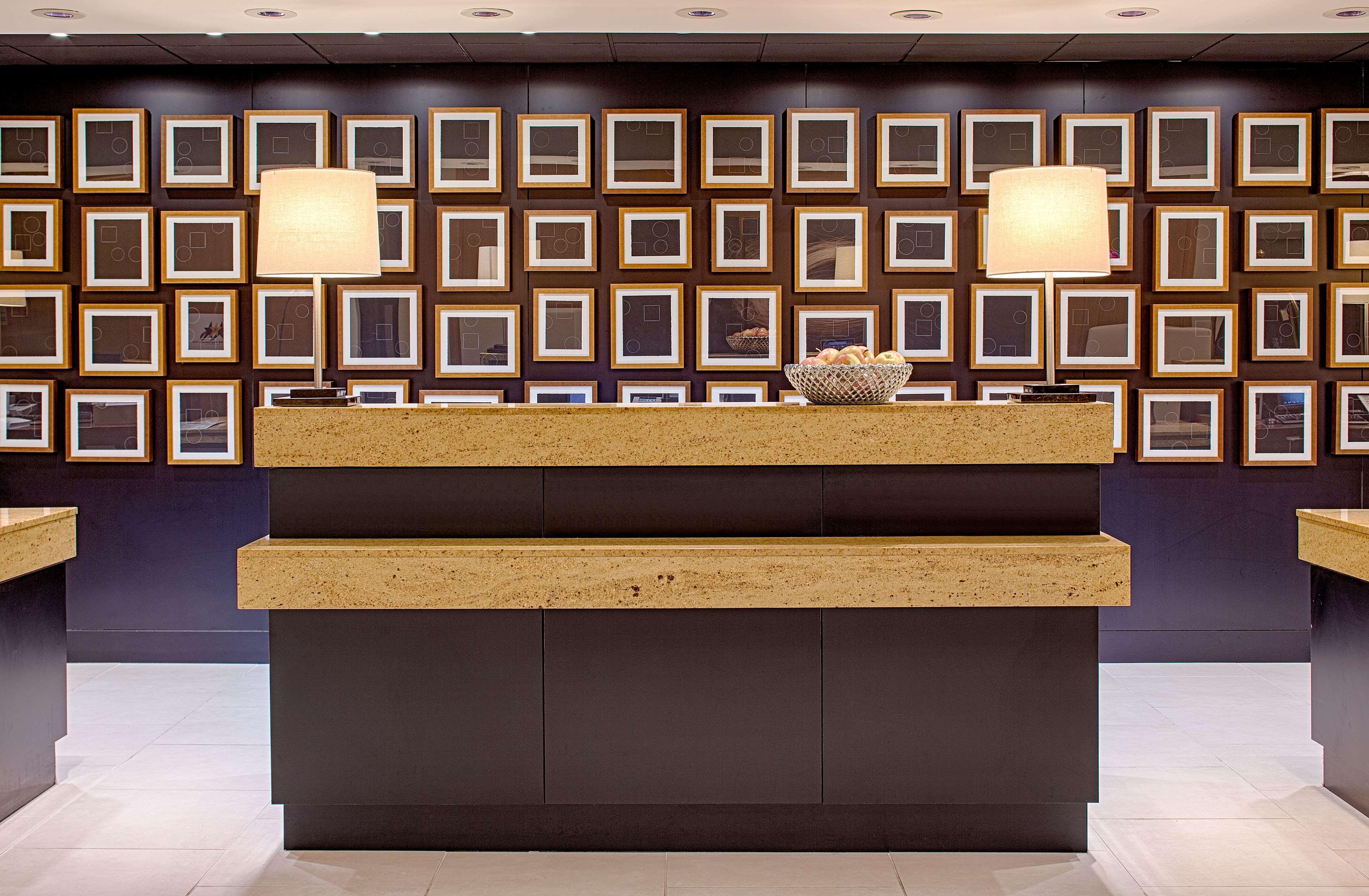 DoubleTree by Hilton Hotel Houston - Greenway Plaza image 5