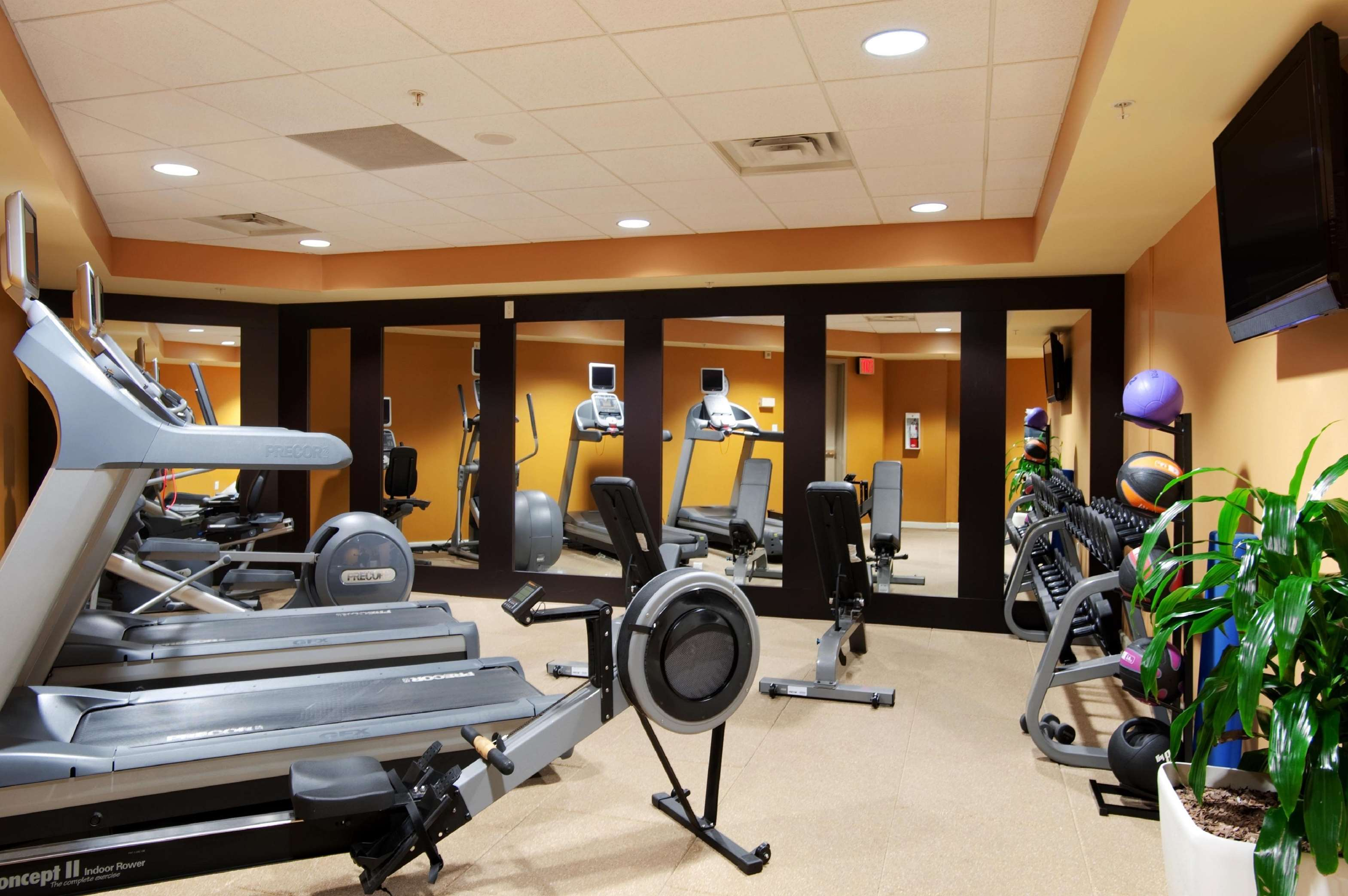 Hilton Vancouver Metrotown in Burnaby: Fitness Center